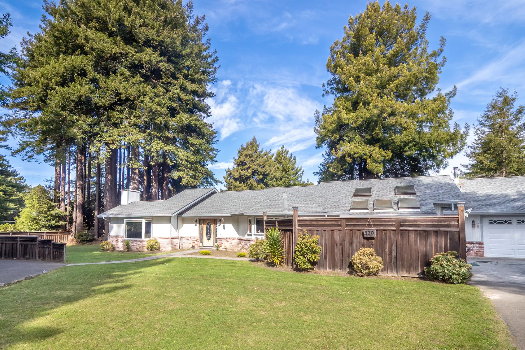 Single Family Homes for Active at Country Charmer 370 Dennison Lane Fort Bragg, California 95437 United States