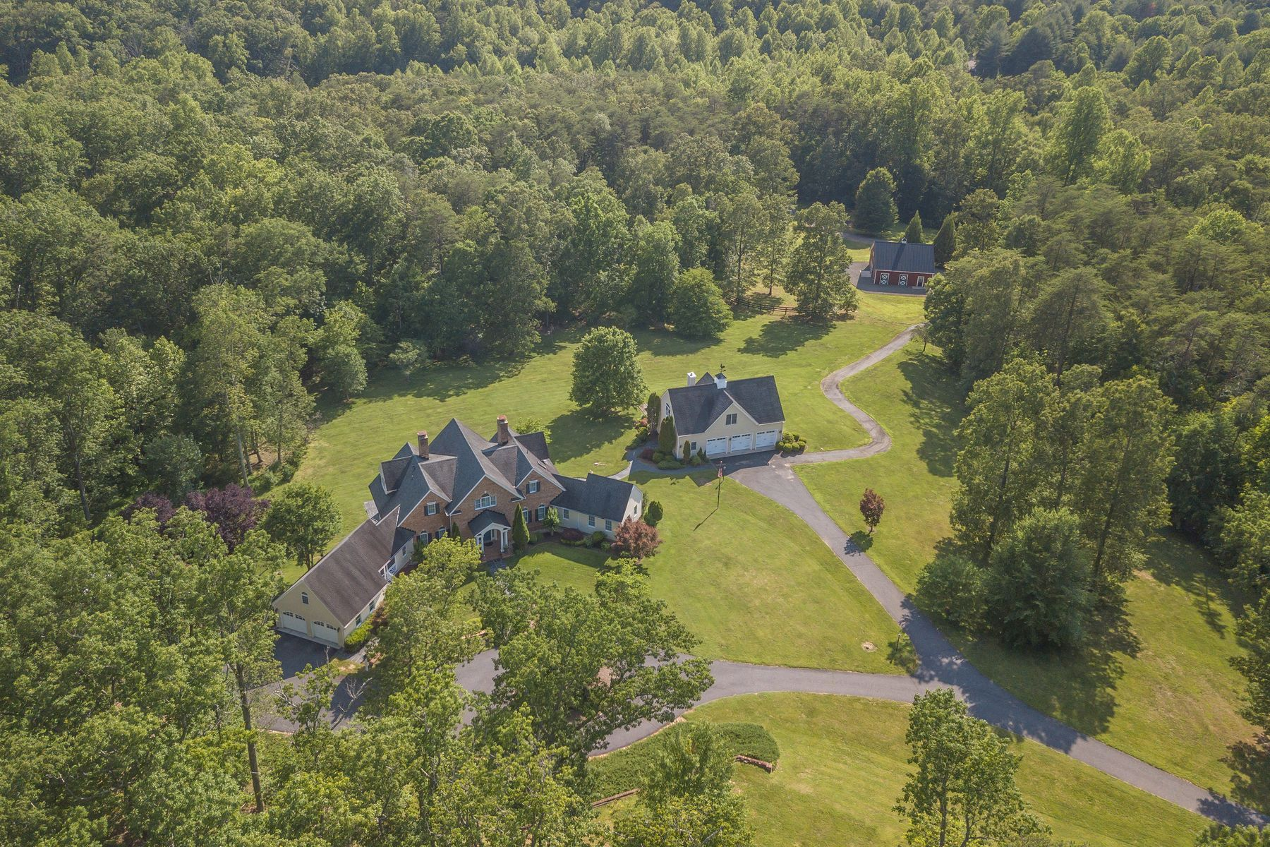 Single Family Homes for Sale at Glendarroch 4865 Gilbert Station Rd, Barboursville, Virginia 22923 United States