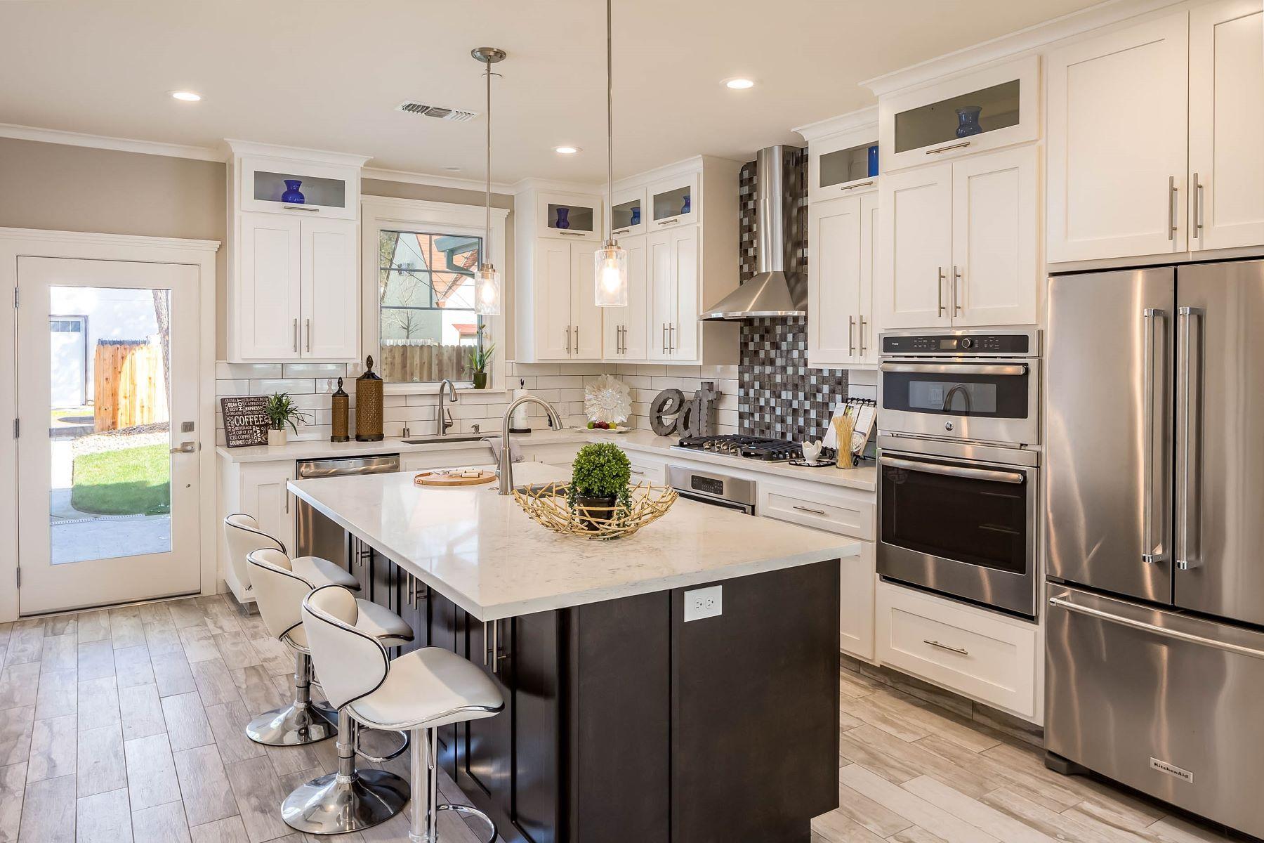 Частный односемейный дом для того Продажа на Stunning New Construction 4425 H Street Sacramento, Калифорния 95819 Соединенные Штаты