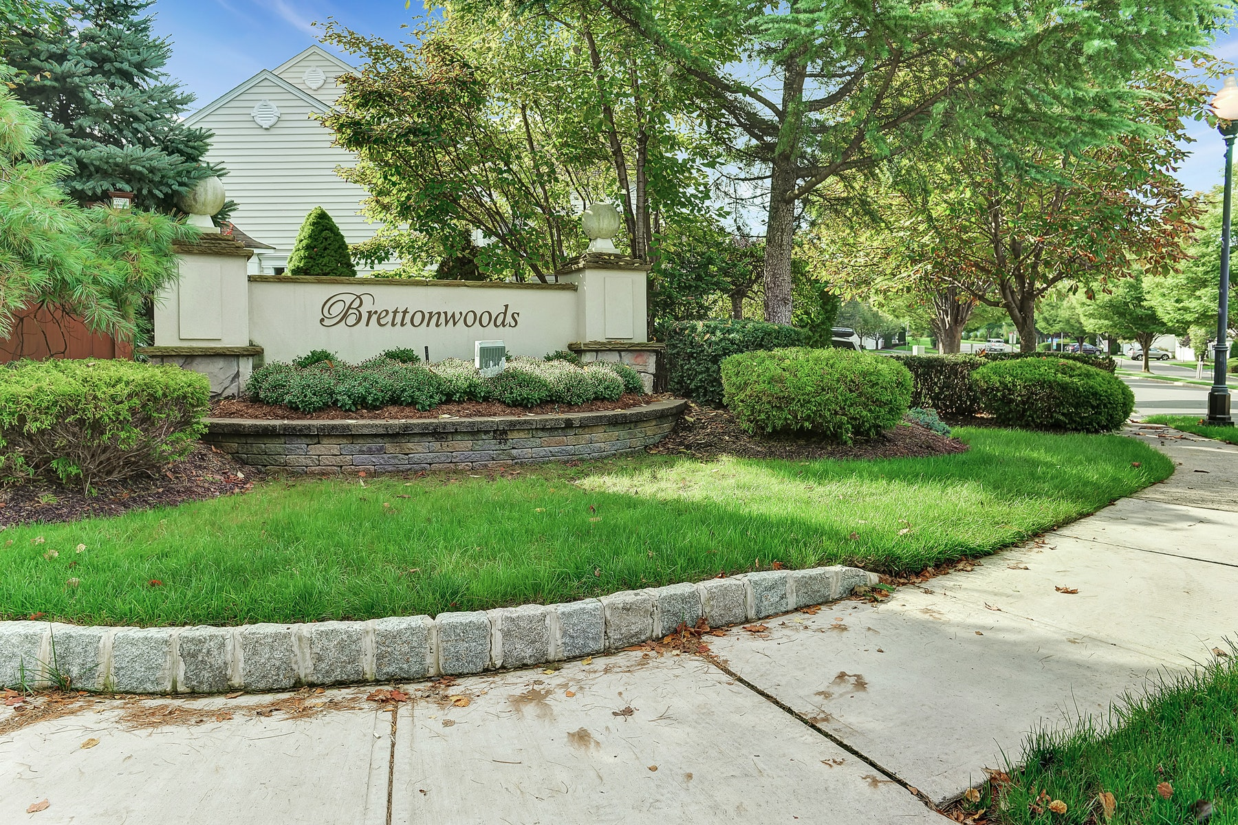 Single Family Home for Sale at Brettonwoods Community 6 Mulberry Court, Paramus, New Jersey 07652 United States