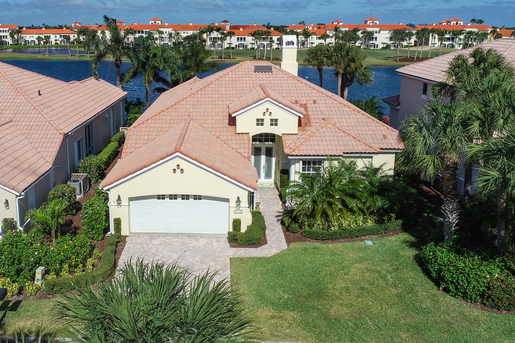 Property for Sale at Picture Perfect Lakefront home with Golf Course Views 1340 Coventry Ln Vero Beach, Florida 32967 United States