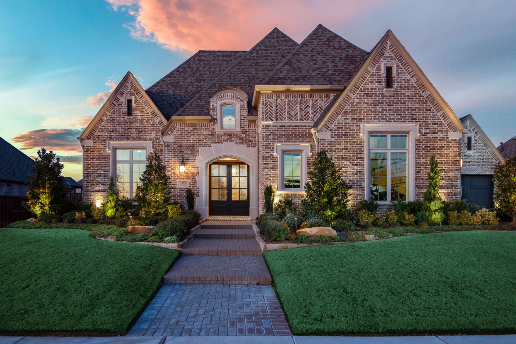 Single Family Homes für Verkauf beim Pristine Semi Custom One-Story Home 4450 Woodbine Lane, Prosper, Texas 75078 Vereinigte Staaten
