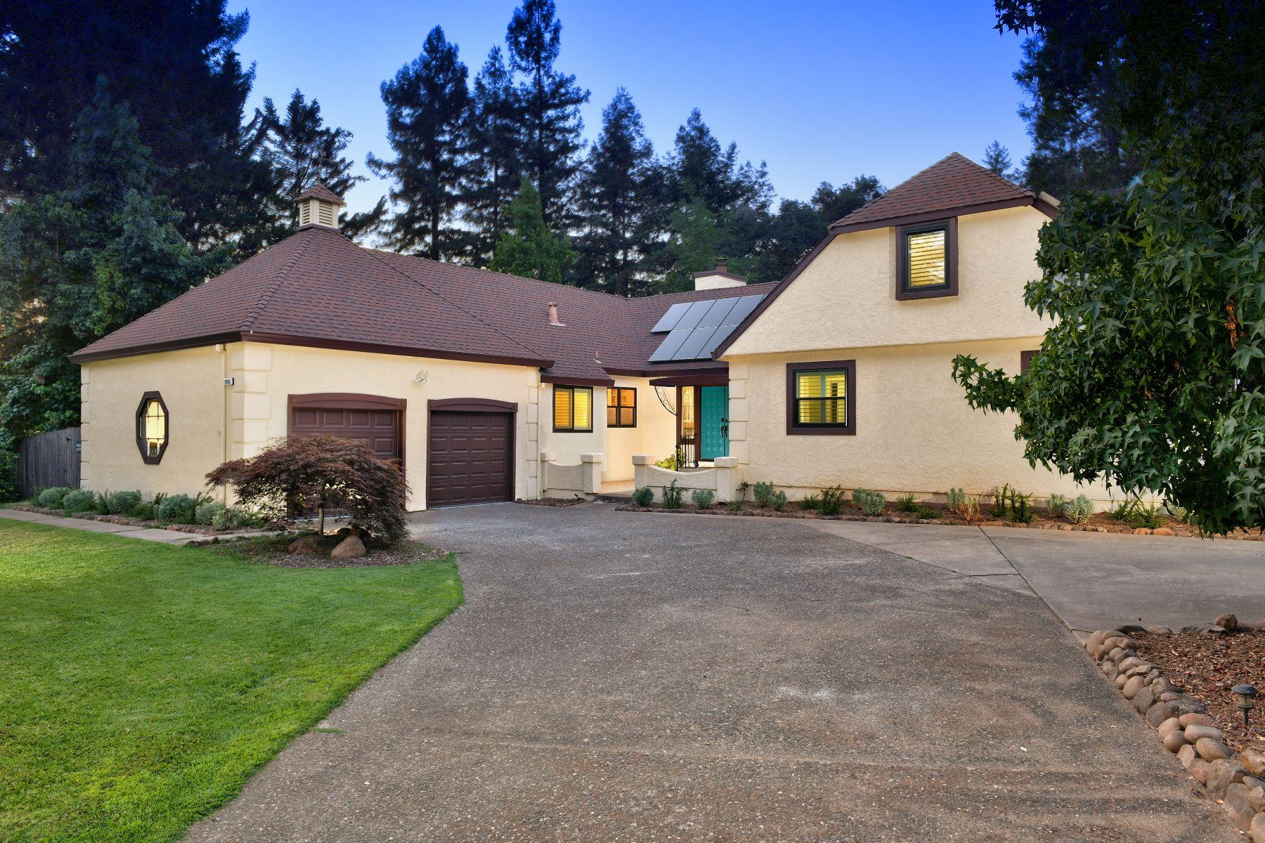 Single Family Homes para Venda às Elegant Knob Hill Tudor 2605 Knob Hill Drive, Santa Rosa, Califórnia 95404 Estados Unidos