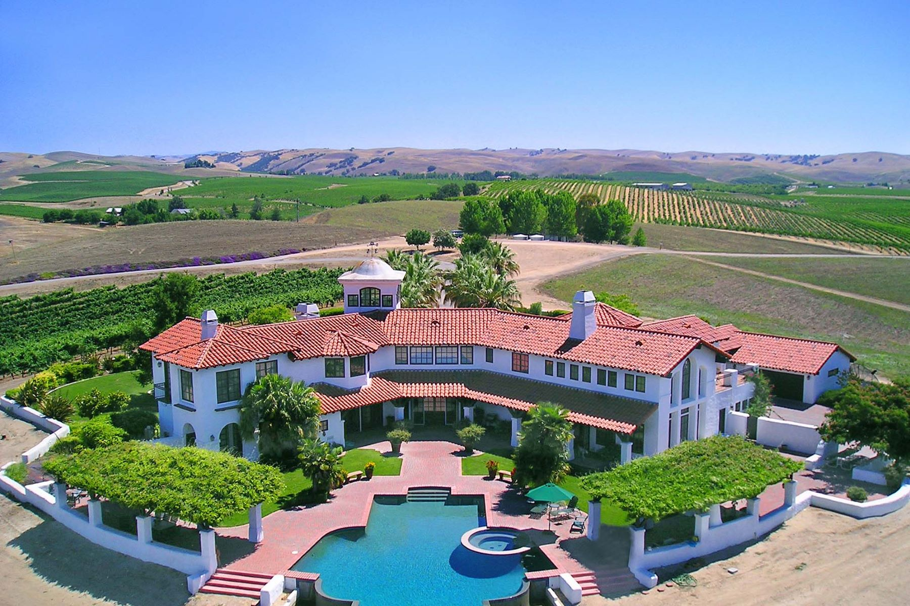 Terreno por un Venta en Breathtaking Vineyard Villa 6585 Von Dollen Rd. San Miguel, California, 93451 Estados Unidos