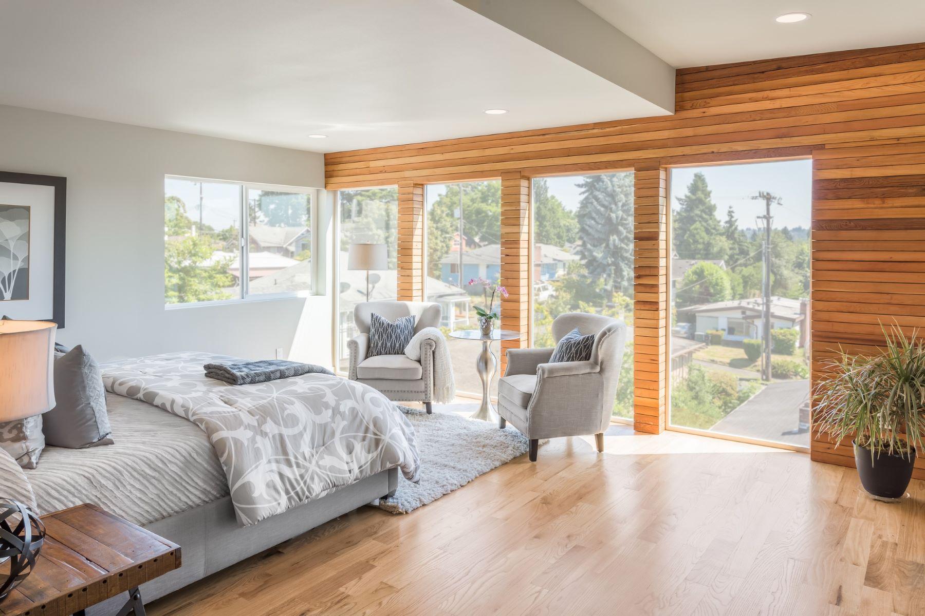 Additional photo for property listing at 5105 S Mrytle St  Seattle, Washington 98118 United States
