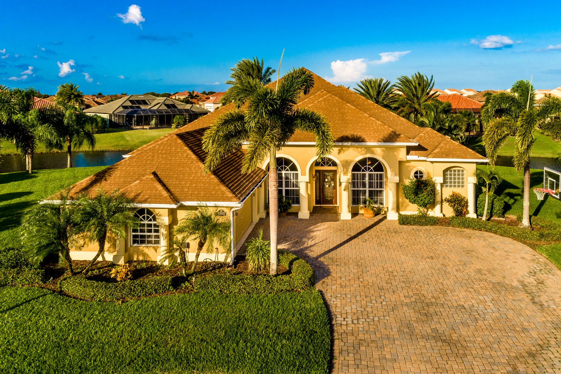 Gorgeous Waterfront Home in Ravencliffe 5303 Picardy Court Rockledge, Florida 32955 Estados Unidos