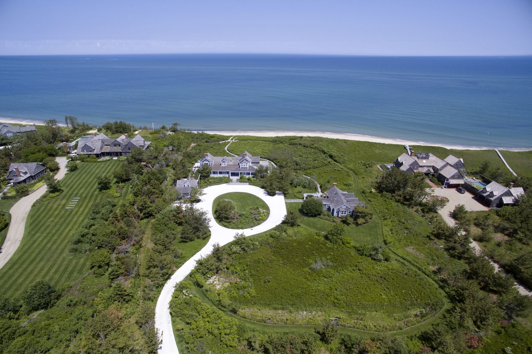 Single Family Home for Active at 7 BEDROOM NORTH SHORE BEACHFRONT COMPOUND 119 Eel Point Road 119 R Eel Point Road Nantucket, Massachusetts 02554 United States