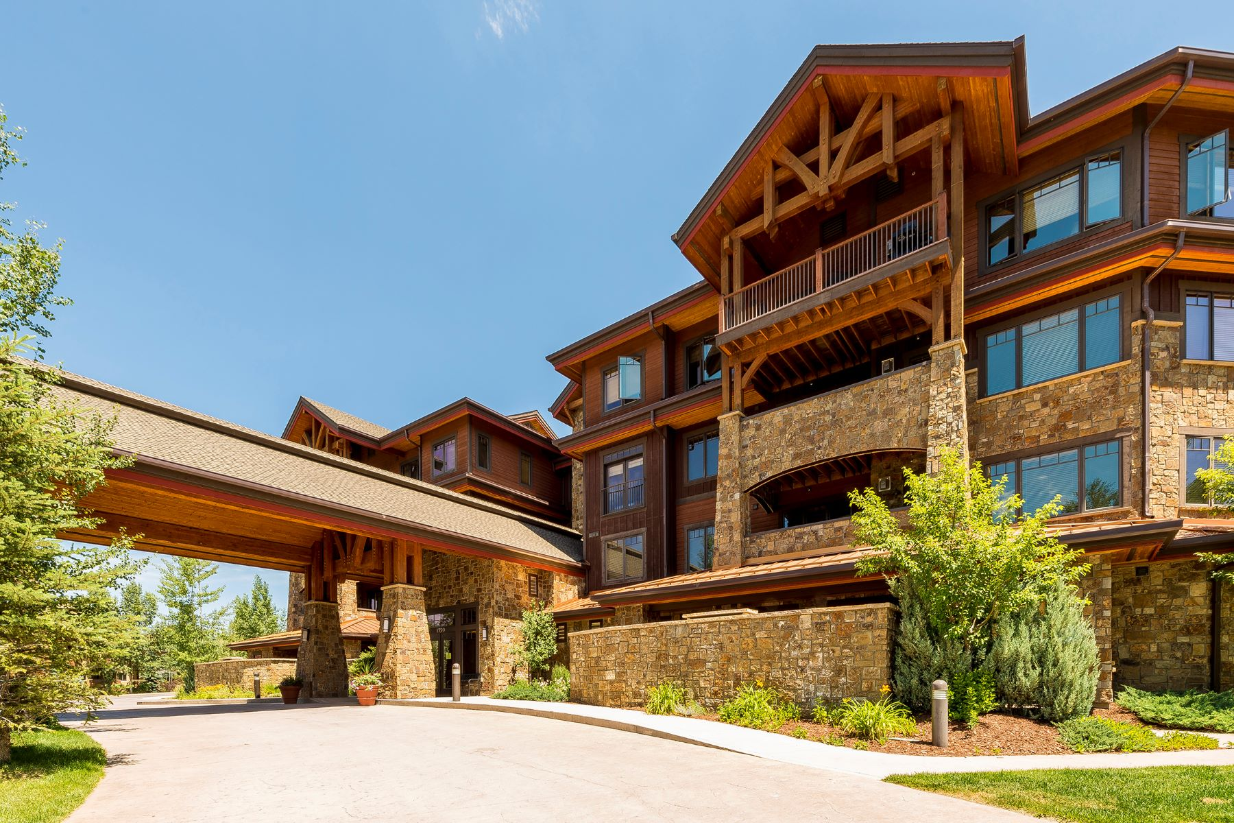 Кондоминиум для того Продажа на Comfortable Living at Bear Lodge 1750 Medicine Springs Drive 6210, Steamboat Springs, Колорадо, 80487 Соединенные Штаты