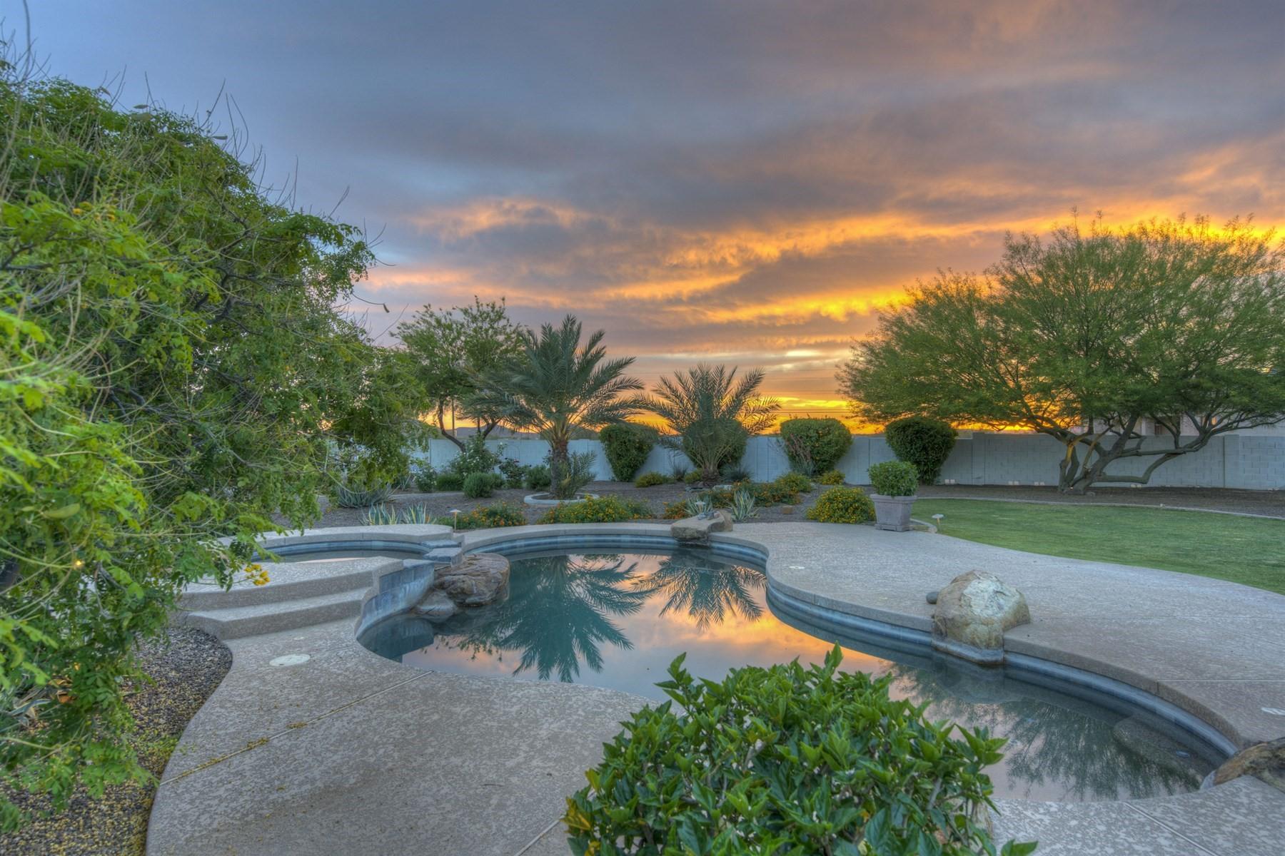 단독 가정 주택 용 매매 에 Spectacular Desert Hills Custom home on 1.1 acres 605 W Ridgecrest Rd Phoenix, 아리조나, 85086 미국