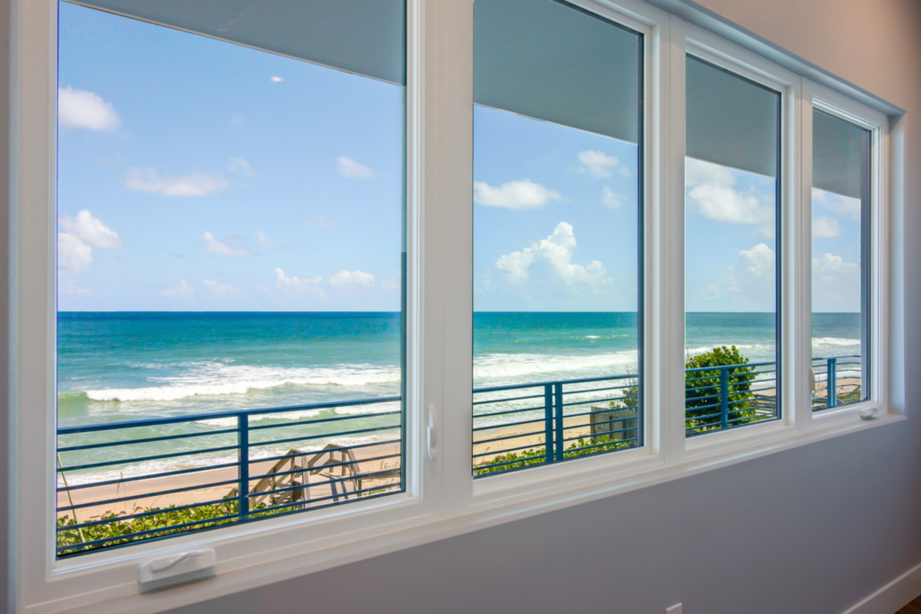 Additional photo for property listing at Contemporary Oceanfront Home 5285 S. Highway A1A Melbourne Beach, Florida 32951 Amerika Birleşik Devletleri