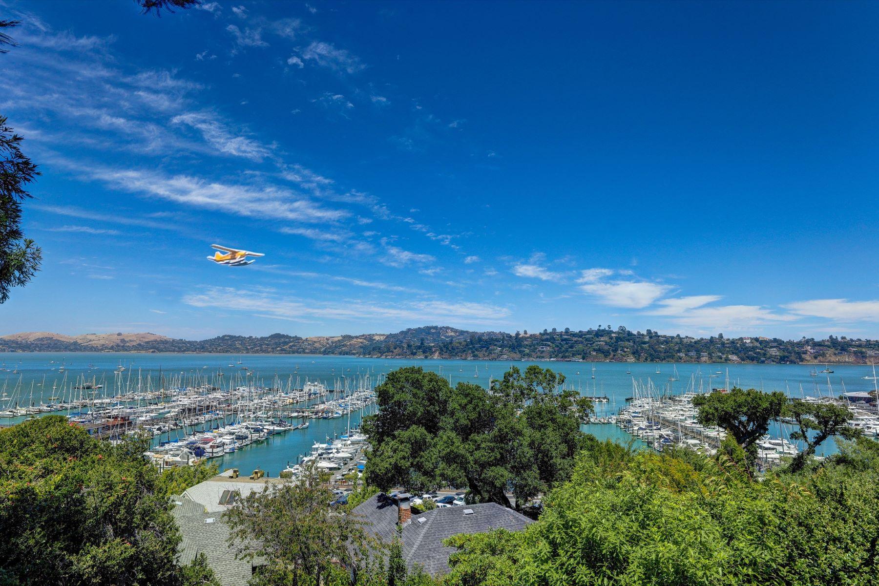 Villa per Vendita alle ore Sausalito Banana Belt Bay View Home 200 Bulkley Avenue Sausalito, California, 94965 Stati Uniti