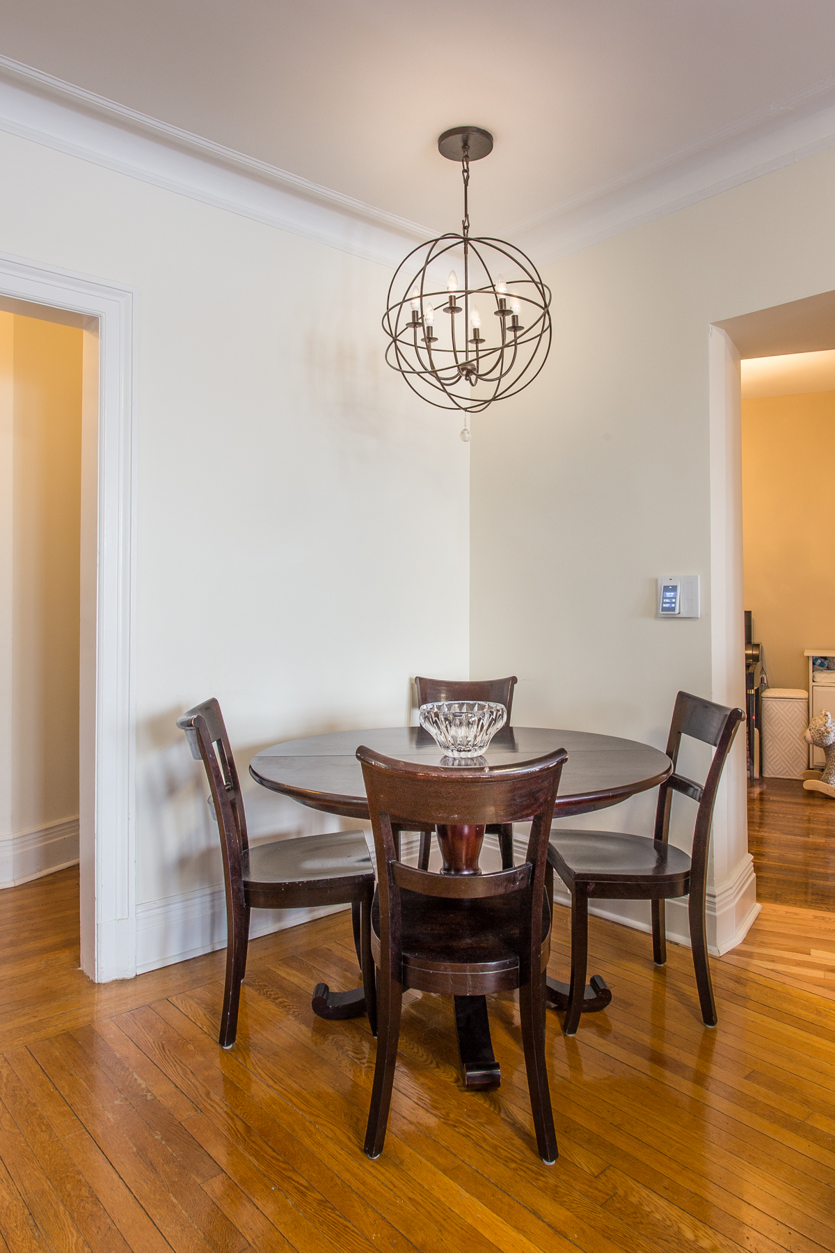 "Additional photo for property listing at ""CONTEMPORARY 2 BEDROOM/2 BATH BEAUTY"" 6 Burns Street, Apt. #47, Forest Hills Gardens, Forest Hills, 紐約州 11375 美國"