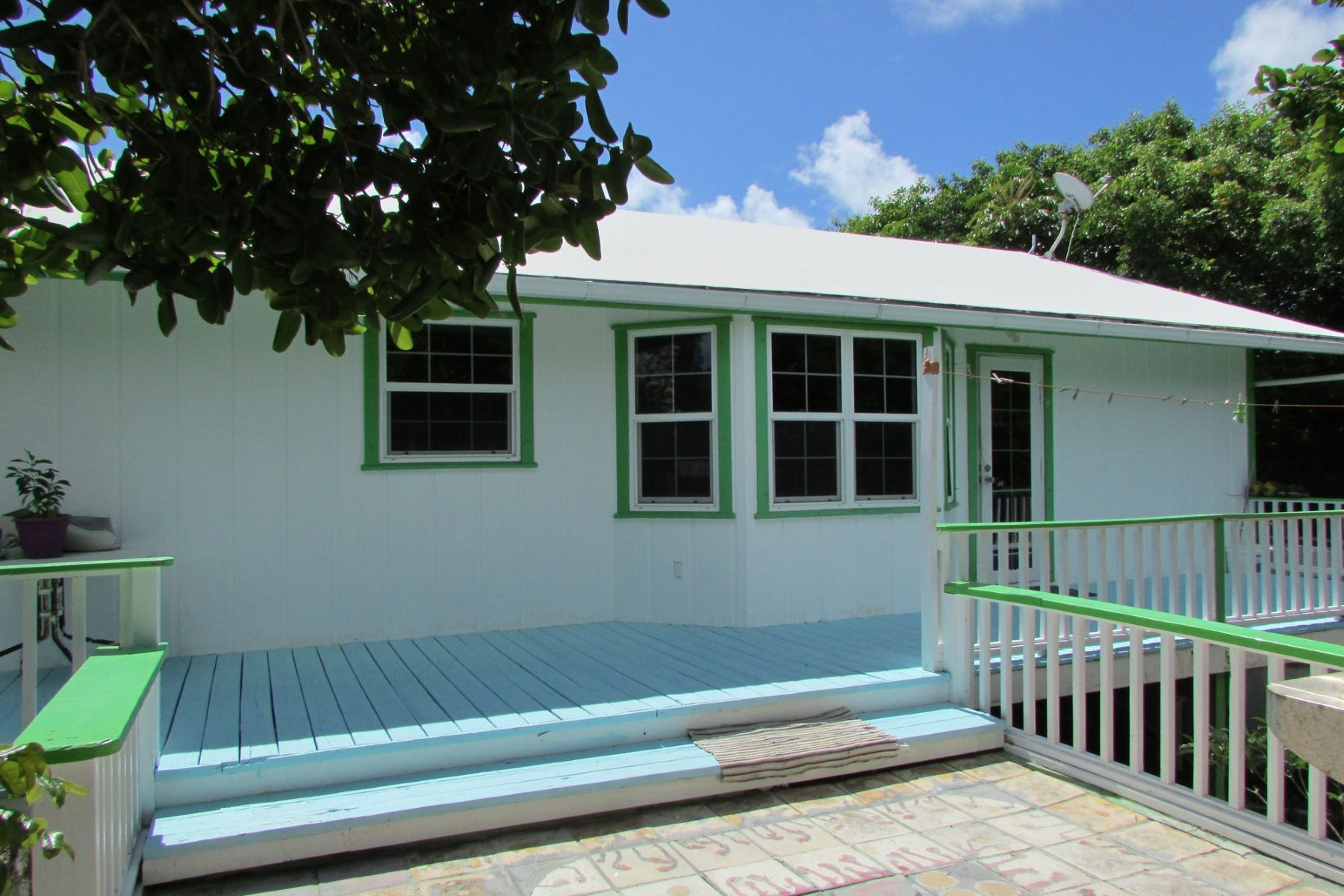 Additional photo for property listing at HoneyBee Lubbers Quarters, Abaco Bahamas