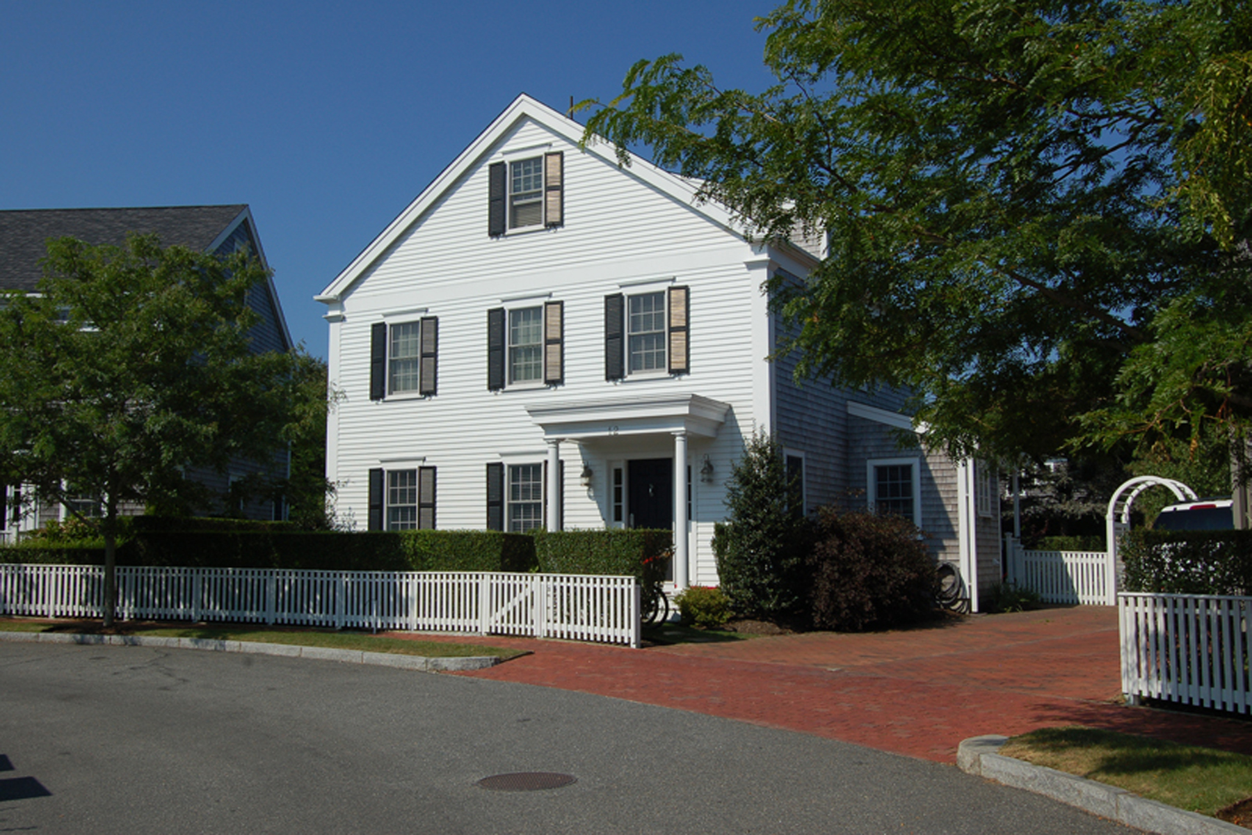 獨棟家庭住宅 為 出售 在 Four Bedrooms on a Quiet Cul de Sac 12 Witherspoon Drive, Nantucket, 麻塞諸塞州, 02554 美國