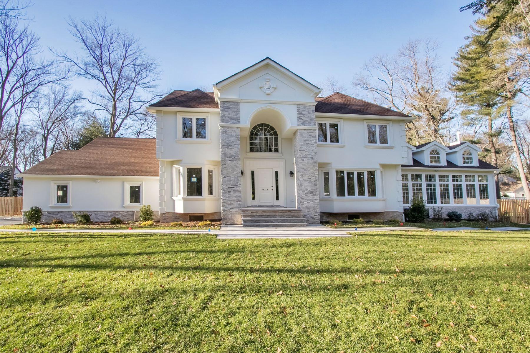 Частный односемейный дом для того Продажа на Center Hall Colonial 635 Piermont Road, Demarest, Нью-Джерси 07627 Соединенные Штаты