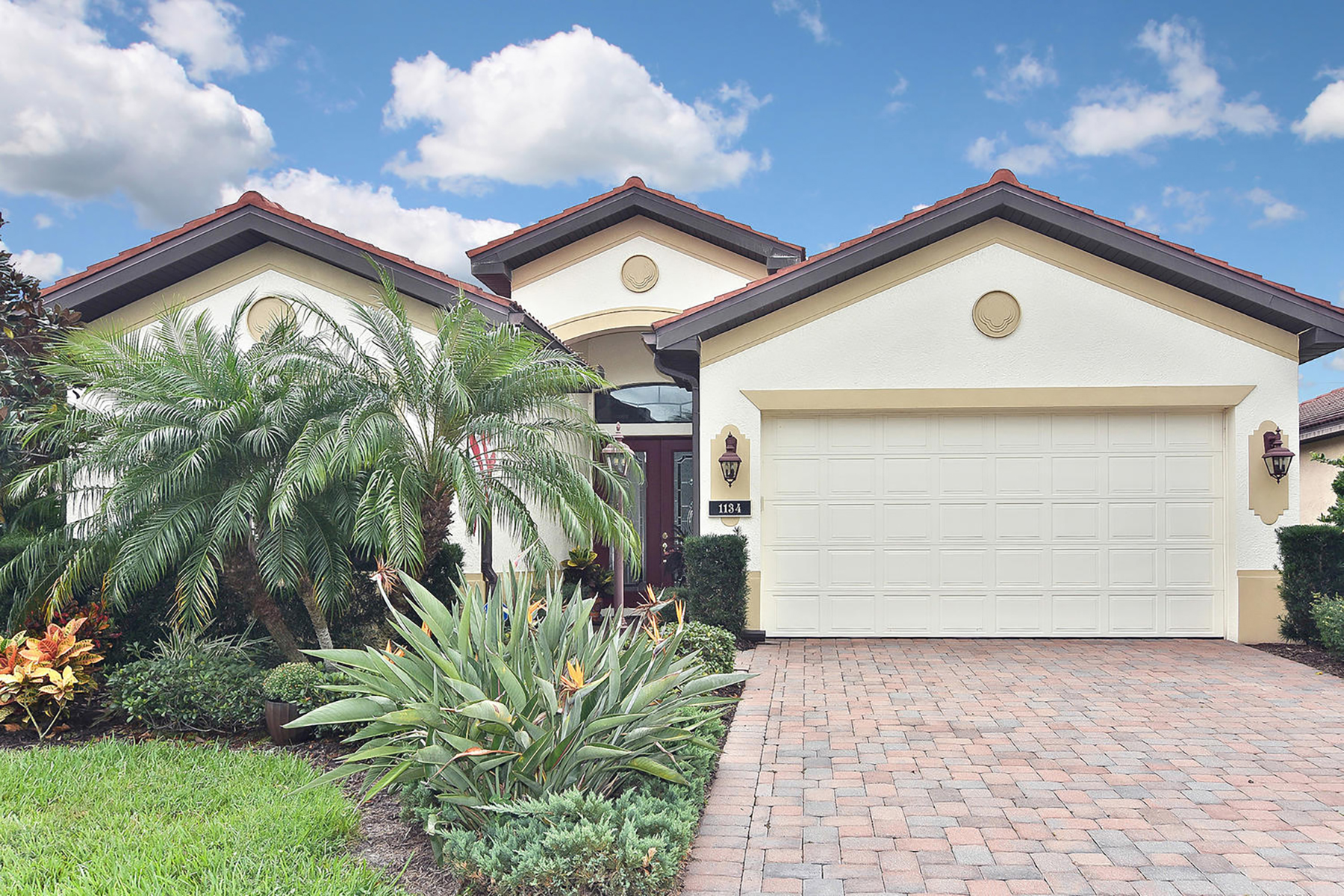 Single Family Homes for Sale at 1134 Cielo Ct , 50, North Venice, Florida 34275 United States