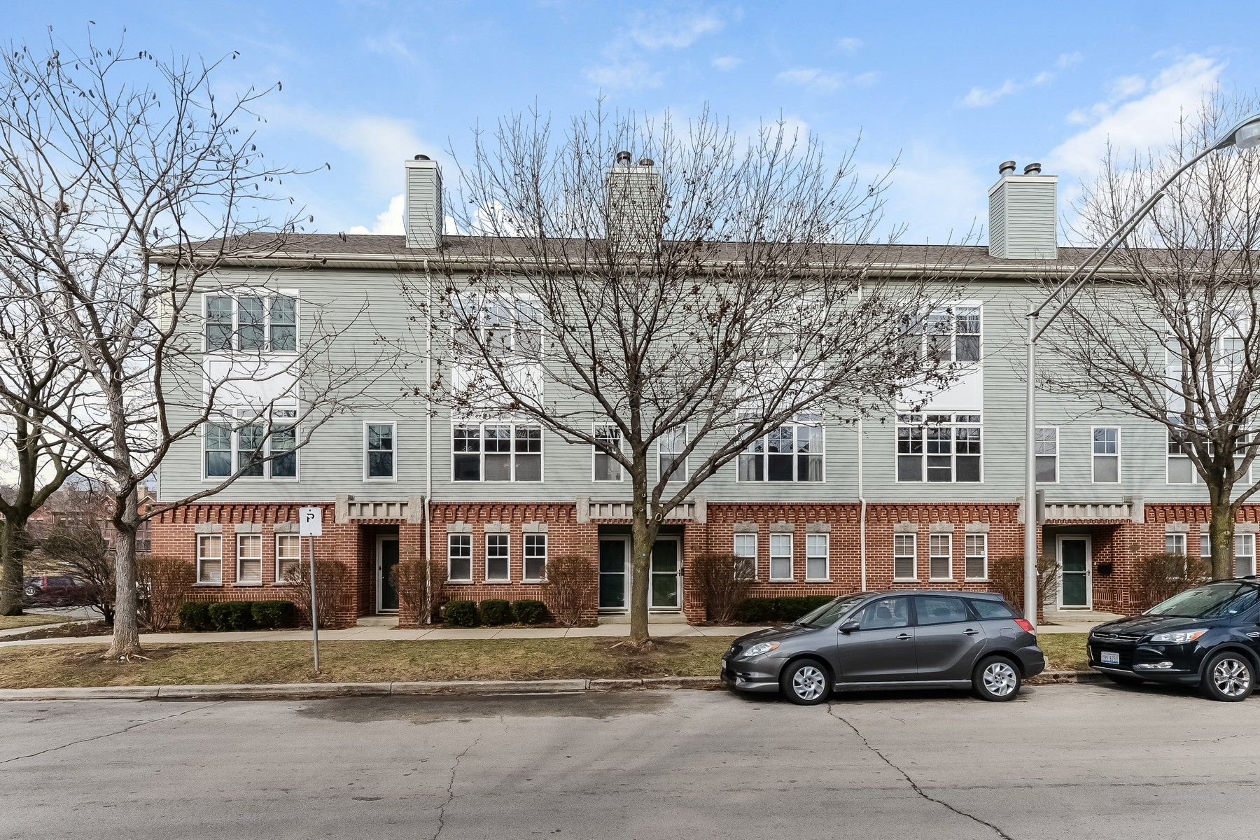 Таунхаус для того Продажа на Rarely Available Ravenswood/Andersonville Townhouse 1722 W Ainslie Street Unit 1772 Lincoln Square, Chicago, Иллинойс, 60640 Соединенные Штаты
