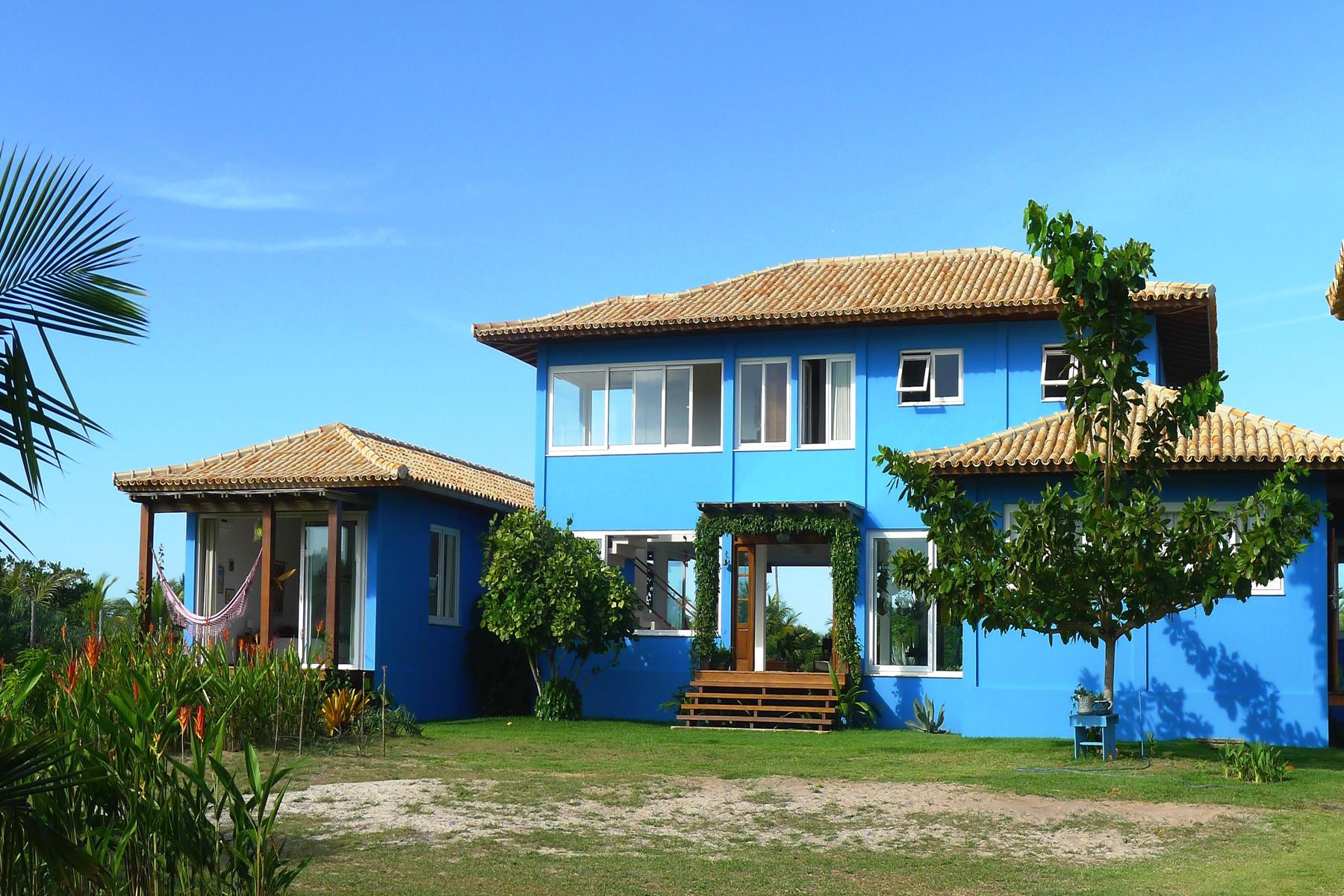 Single Family Homes por un Venta en Comfortable Beach House Rua Um Marau, Bahia 45520-000 Brasil