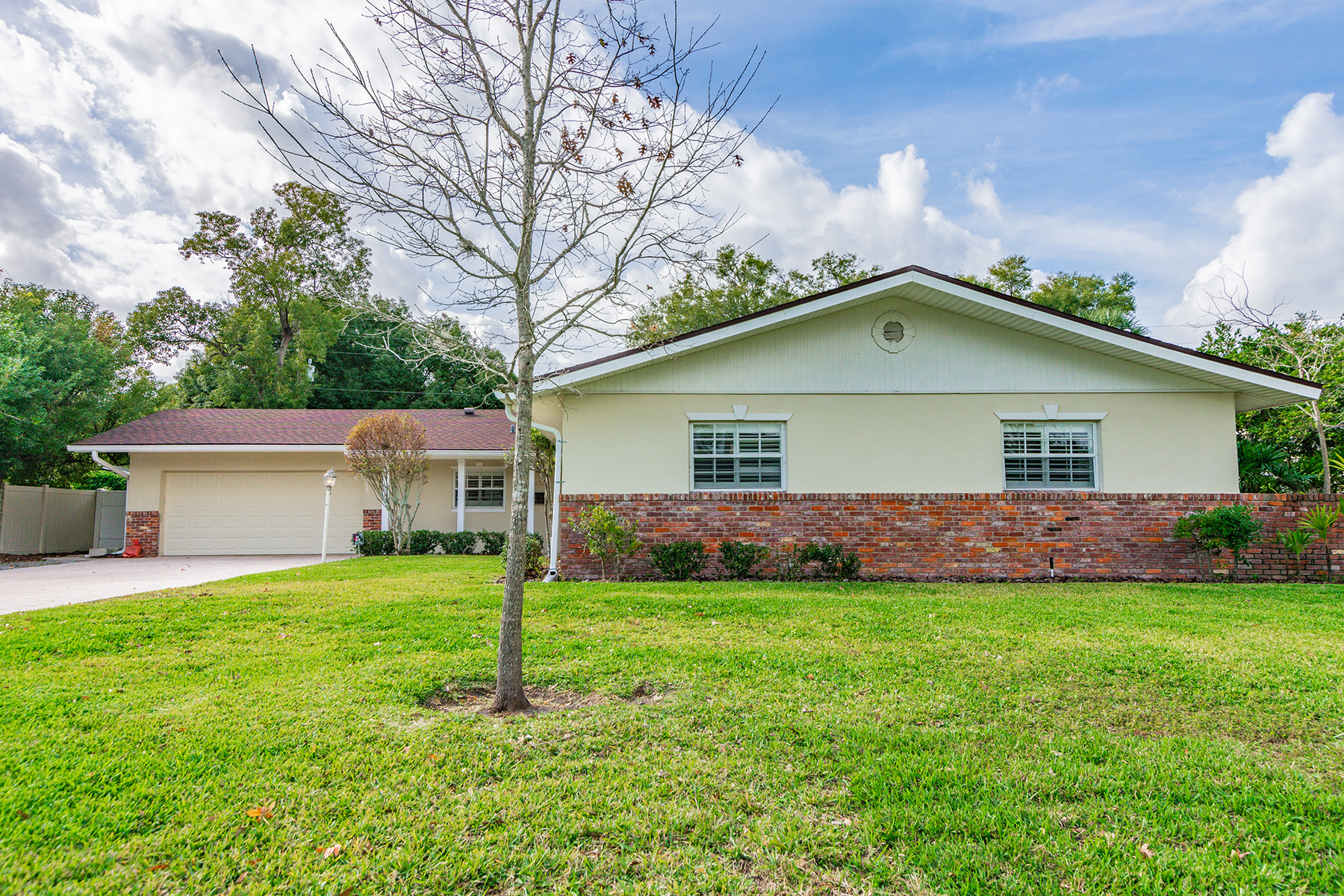 Single Family Homes for Sale at MAITLAND 941 N Thistle Ln Maitland, Florida 32751 United States