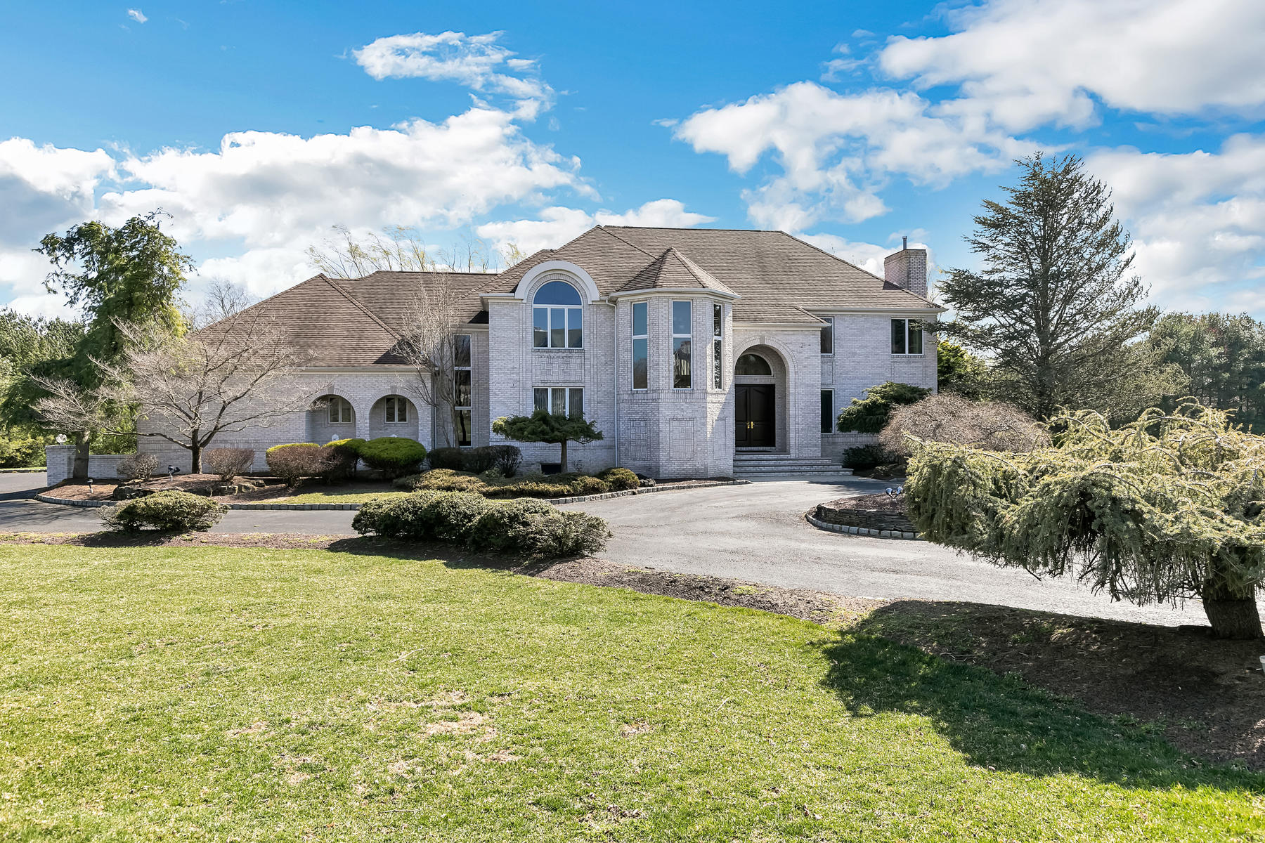 Single Family Homes for Sale at Inspiring Estate 39 Rivers Edge Drive Colts Neck, New Jersey 07722 United States