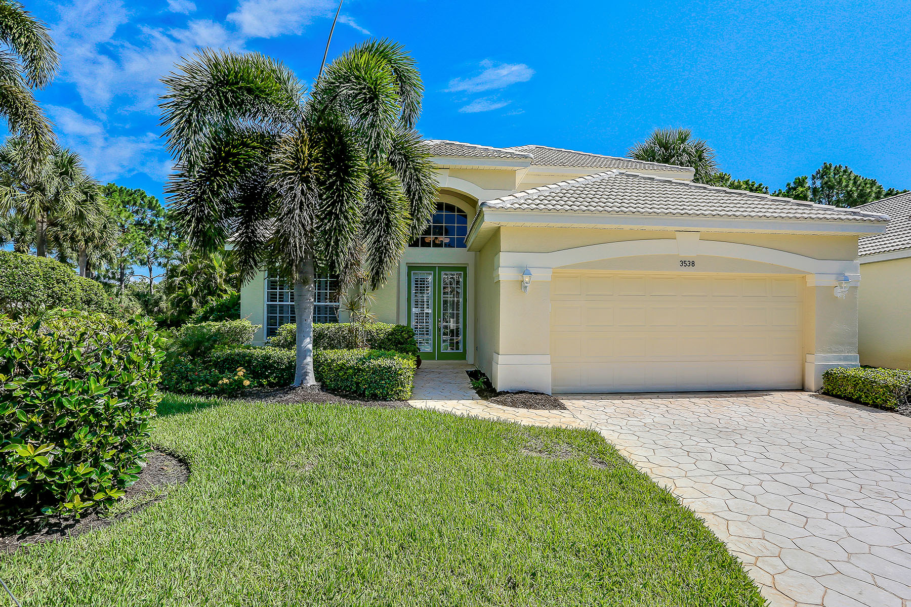 Single Family Homes for Sale at PELICAN LANDING-HERON GLEN 3538 Heron Glen Court, Estero, Florida 34134 United States
