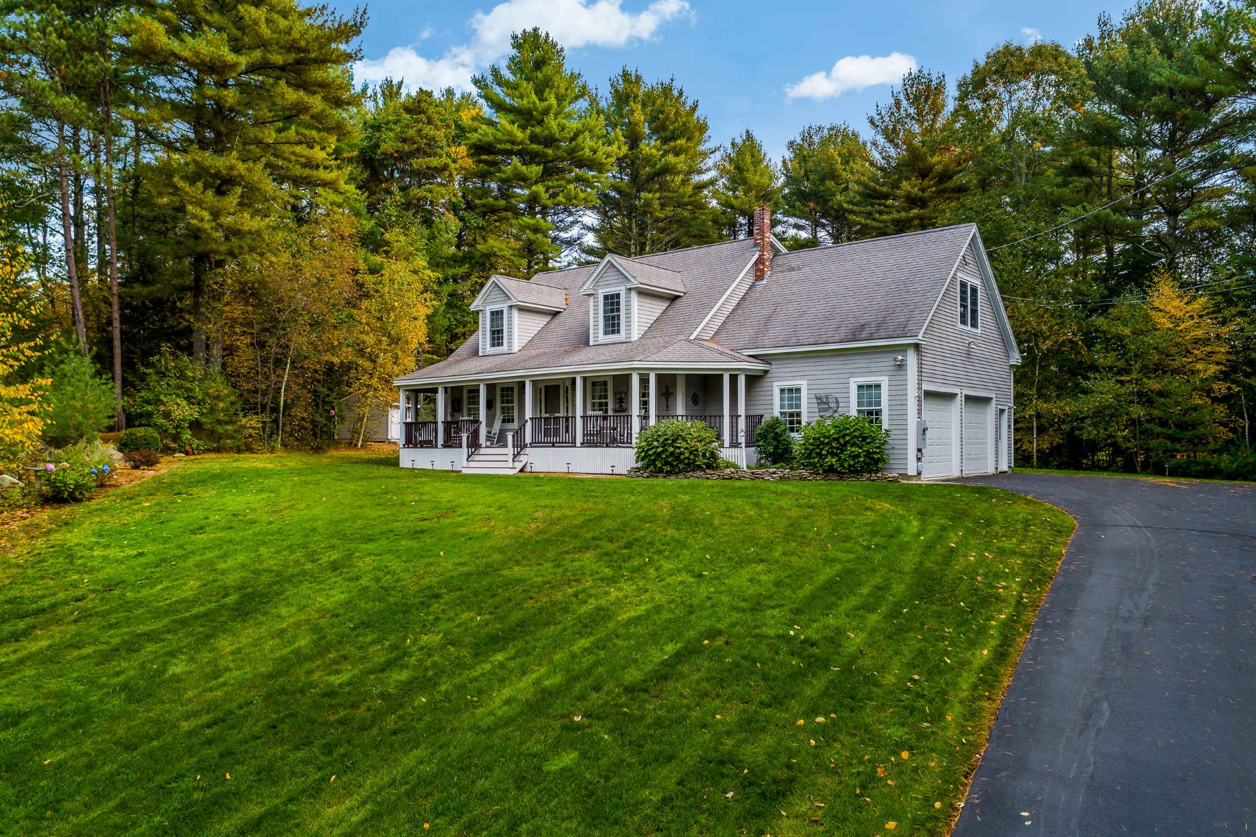 Single Family Homes for Active at Gorgeous Cape Close to Beaches & Shops 25 Logging Road Cape Neddick, Maine 03902 United States