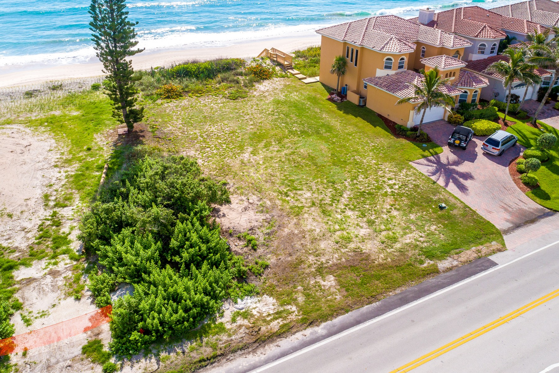Additional photo for property listing at Unique Oceanfront Homesite in Indian Landing 5485 Highway A1A Melbourne Beach, Florida 32951 United States