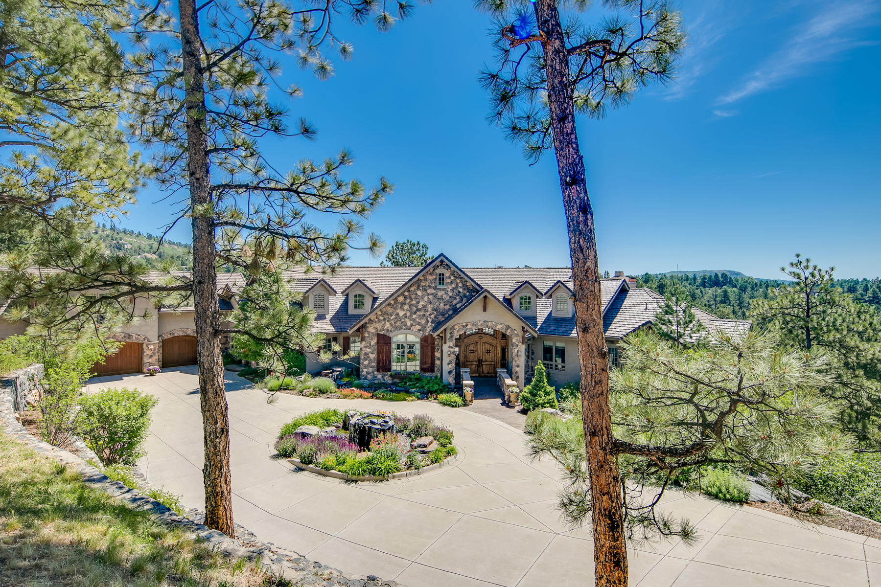 Single Family Home for Active at 102 Coulter Pl 102 Coulter Pl Castle Rock, Colorado 80108 United States