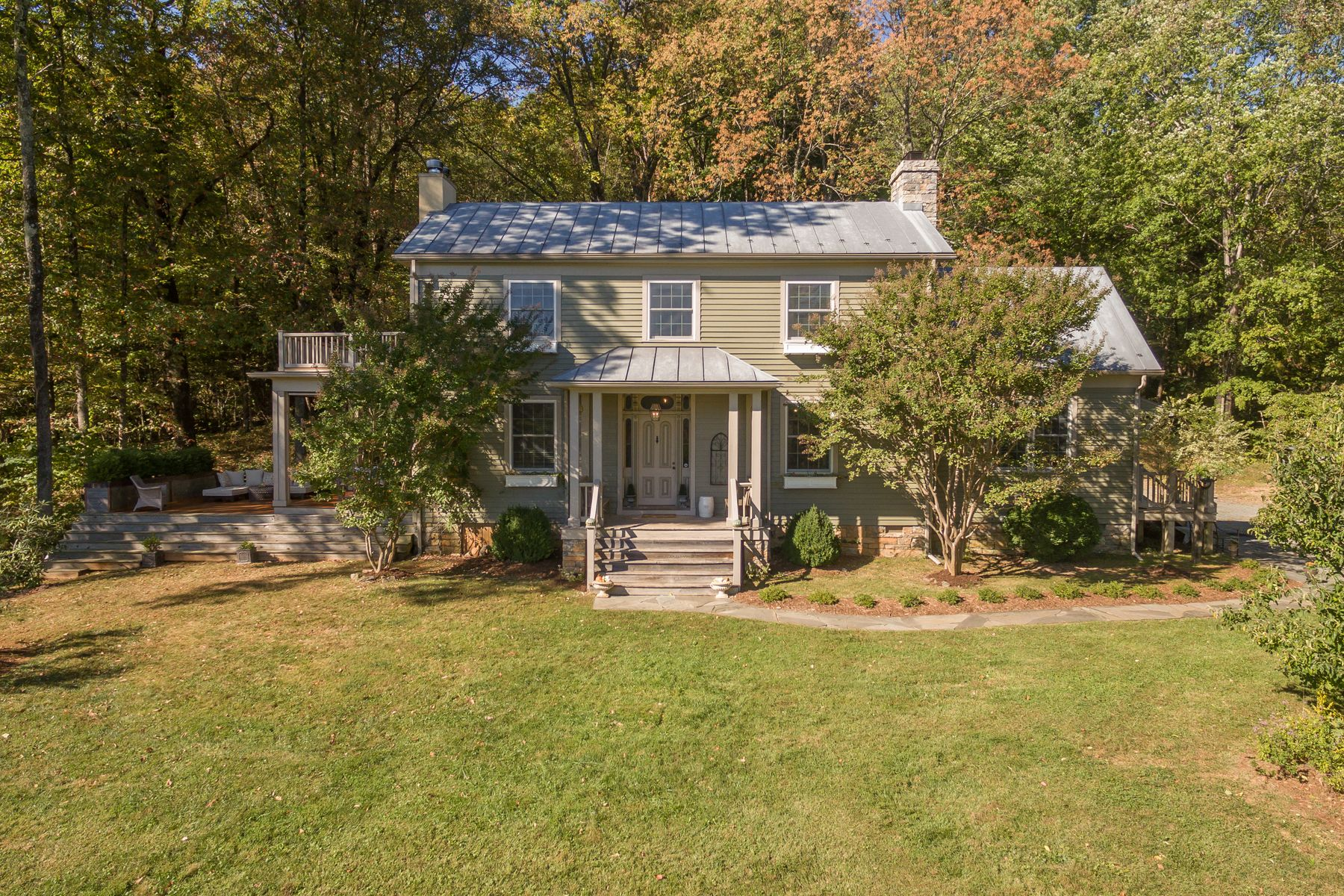 Single Family Home for Sale at 3300 Middle Mountain Rd Crozet, Virginia, 22932 United States