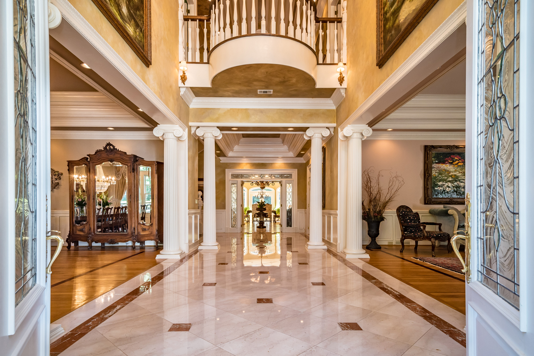 واحد منزل الأسرة للـ Sale في Exquisite Gated Estate 13045 Freemanville Road Alpharetta, Georgia, 30004 United States
