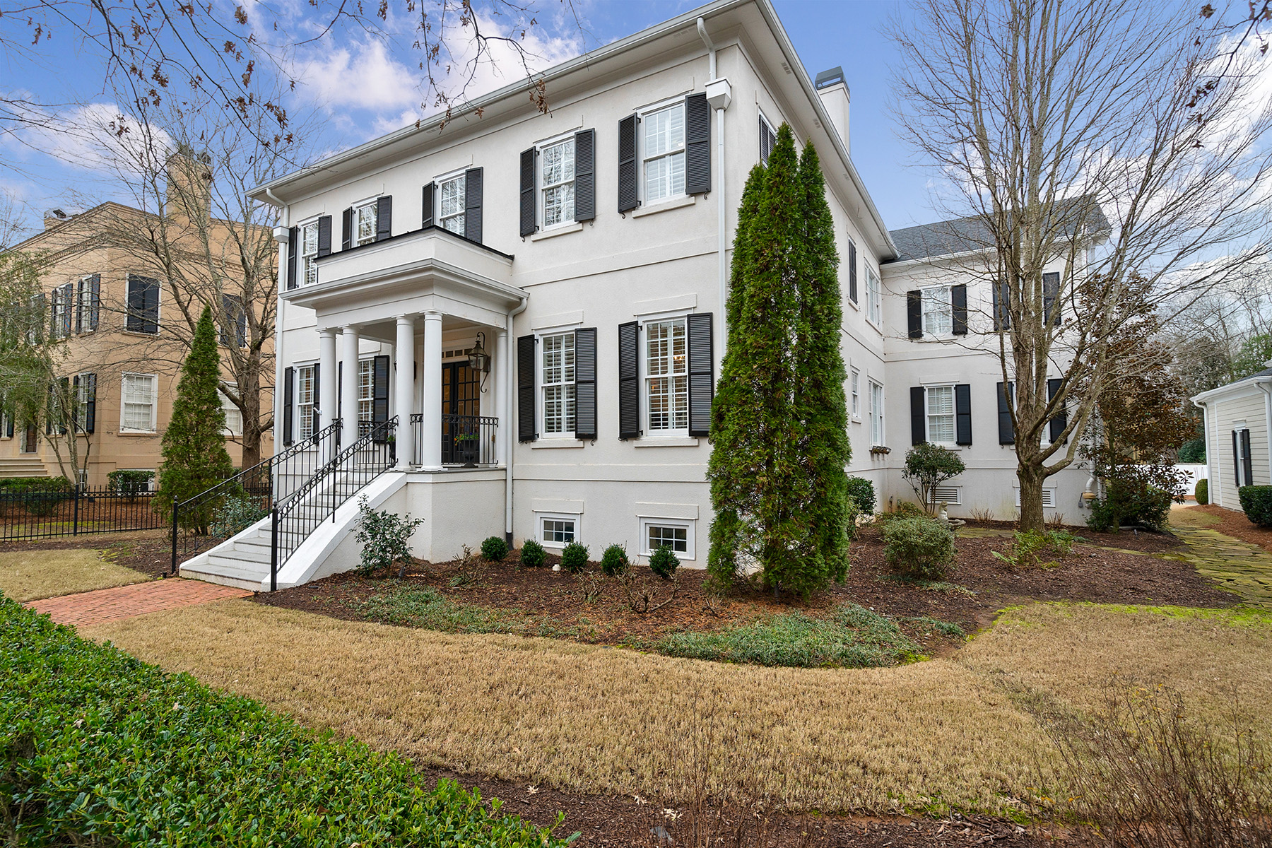 Single Family Homes for Active at Fabulous Executive Home in Gated Sweet Bottom Plantation 3824 Saint Annes Court Duluth, Georgia 30096 United States