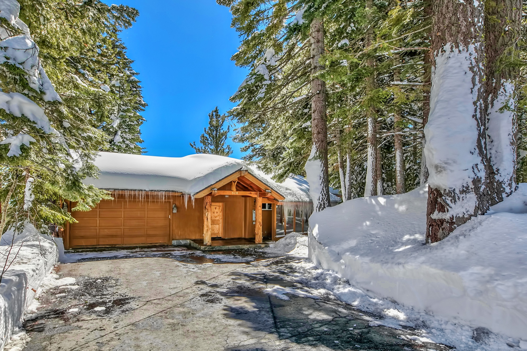 Additional photo for property listing at 528 Joseph Court, Tahoe City, CA 528 Joseph Court Tahoe City, California 96145 United States