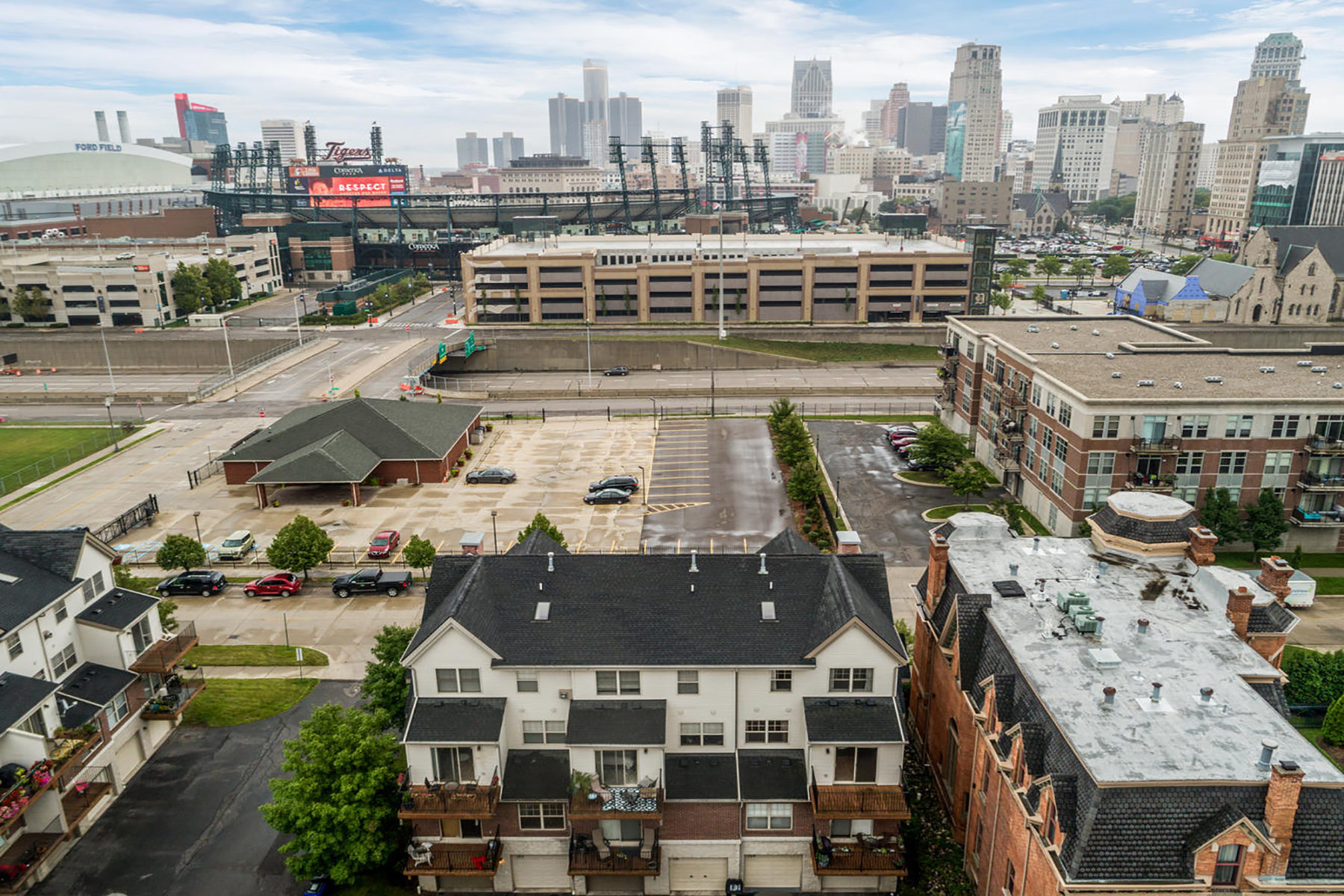 Condominiums for Sale at Detroit 49 Adelaide Street Detroit, Michigan 48201 United States