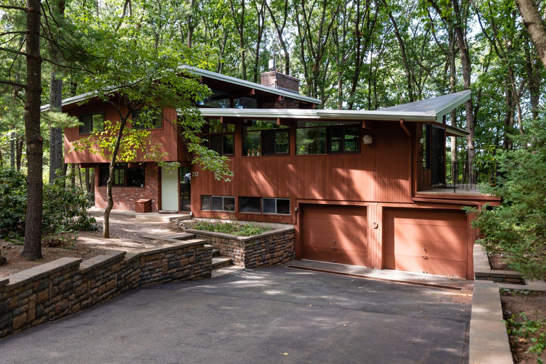 Single Family Homes por un Venta en 20 Overlook Drive Bedford, Massachusetts 01730 Estados Unidos