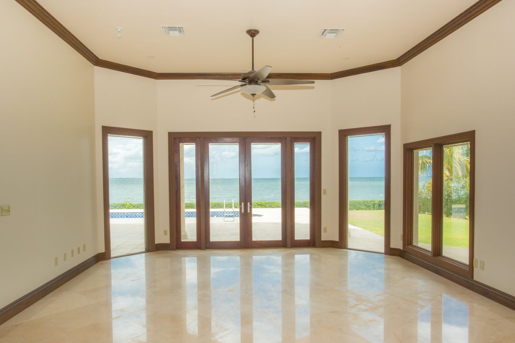 Additional photo for property listing at Patrick's Island Ocean front Estate 帕特里克斯, 大开曼岛 开曼群岛