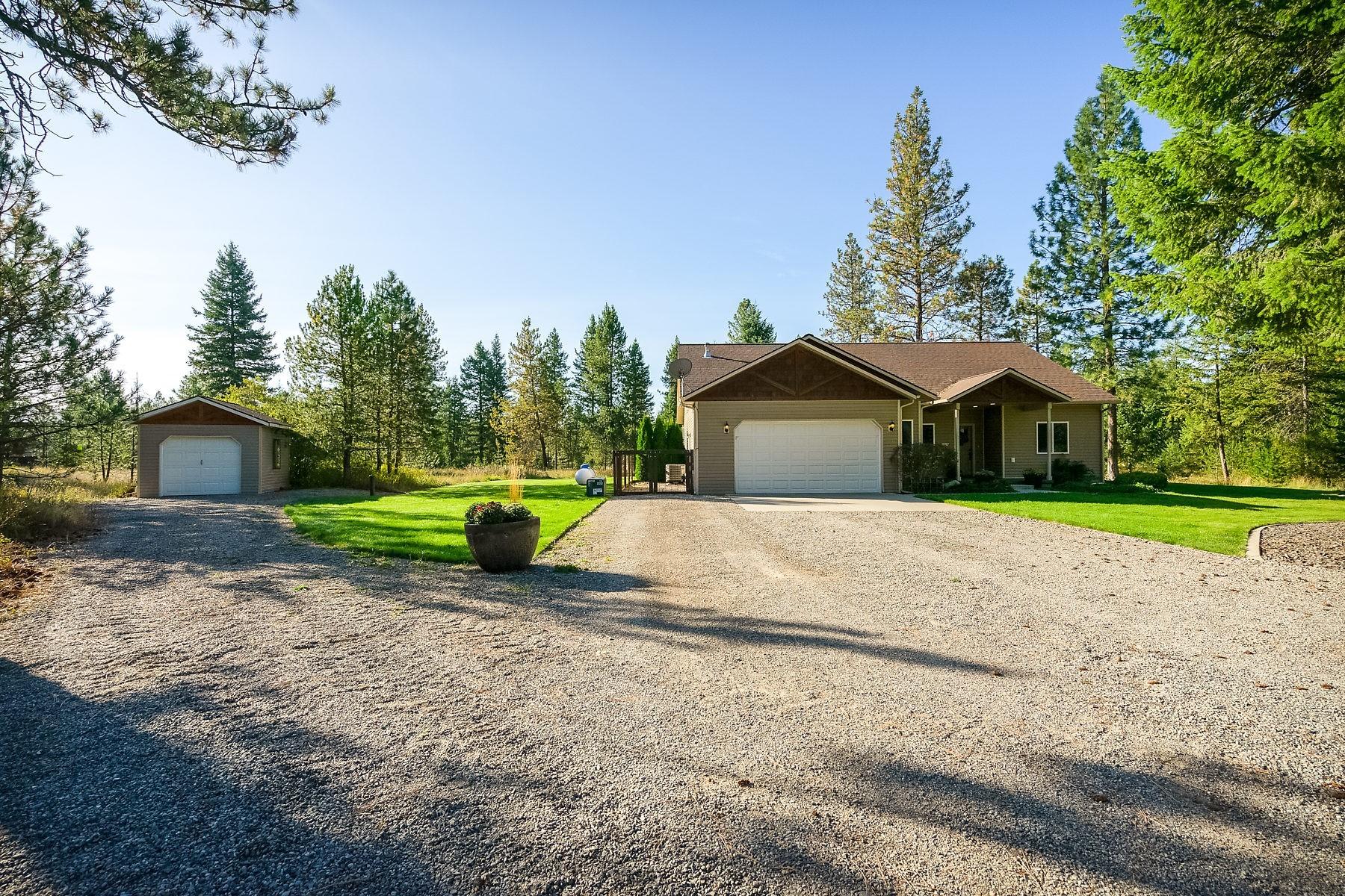 Single Family Homes für Verkauf beim 270 Leo Ln, Spirit Lake, Idaho 83869 Vereinigte Staaten