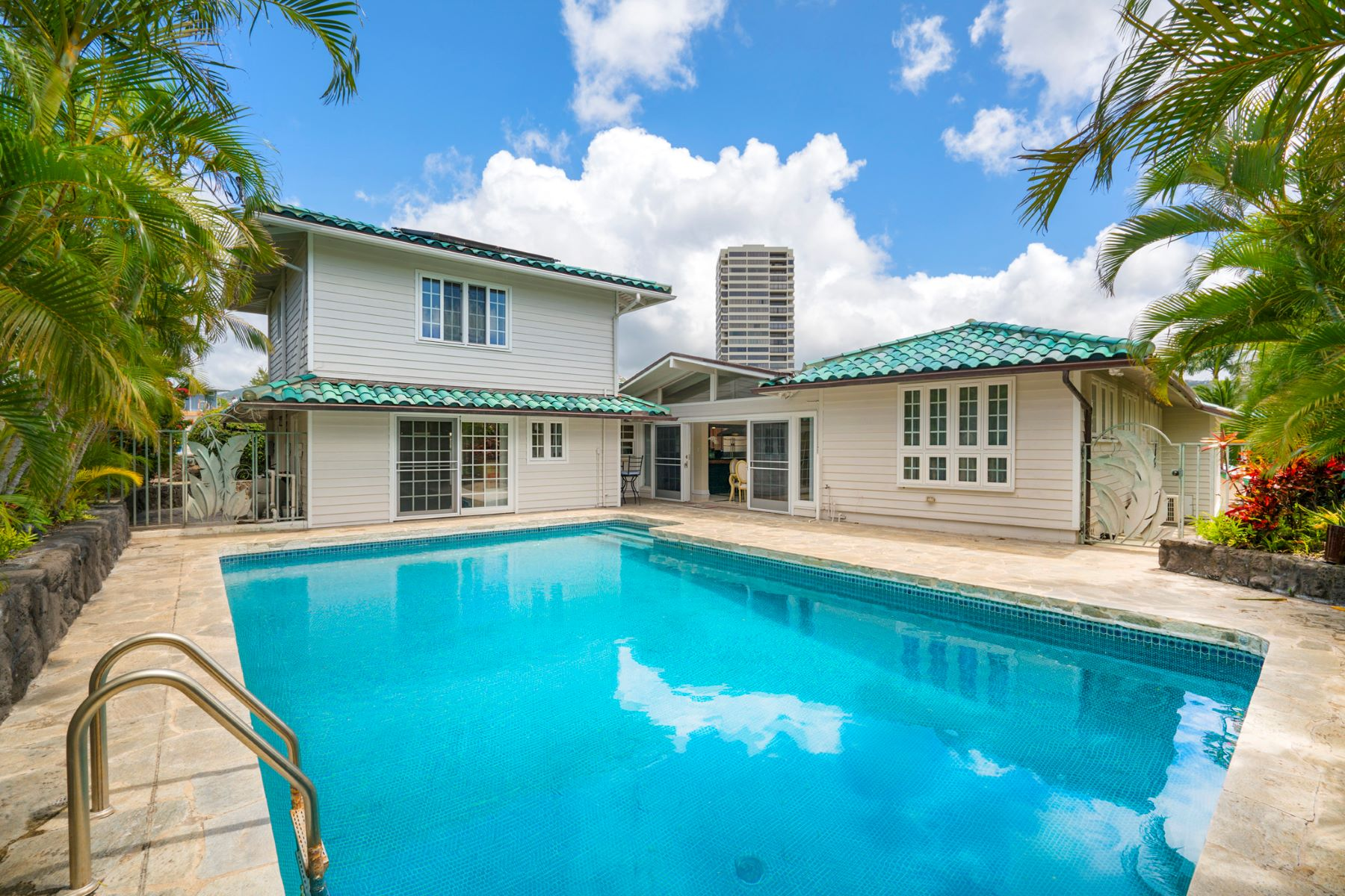 Single Family Home for Sale at Sunny Kahala Escape 1344 Pueo Street Honolulu, Hawaii 96816 United States