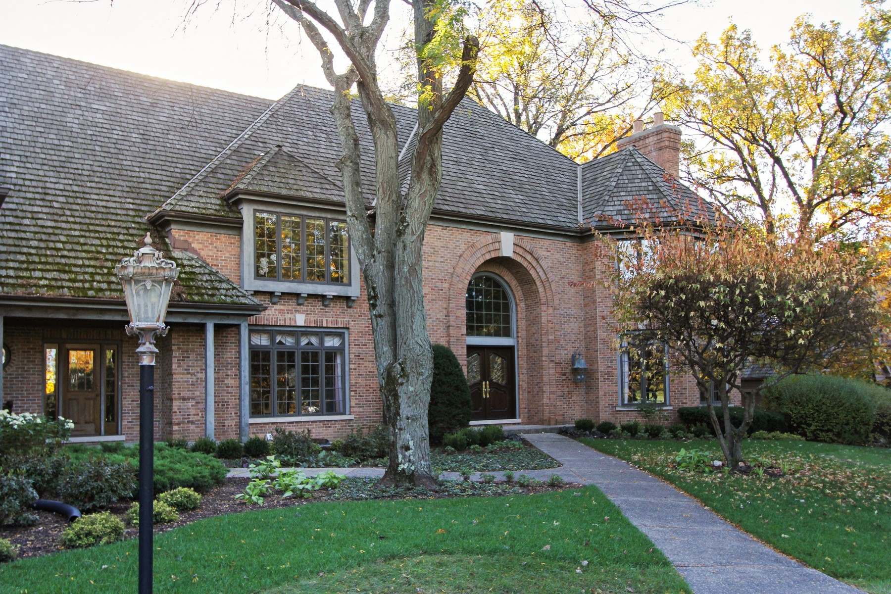 Single Family Homes for Active at Luxury and relaxation 39 Castleton Court North Barrington, Illinois 60010 United States