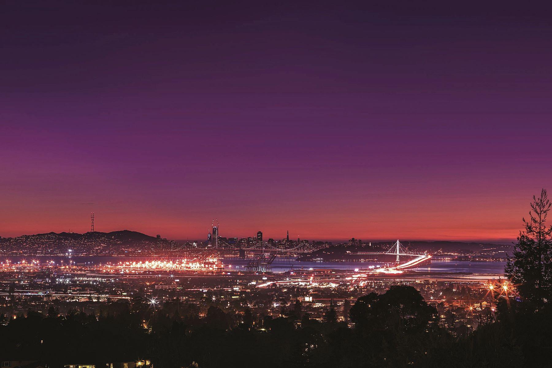 Single Family Homes por un Venta en Executive Utopia - Unparalleled Views 7 Woodmont Way Oakland, California 94611 Estados Unidos