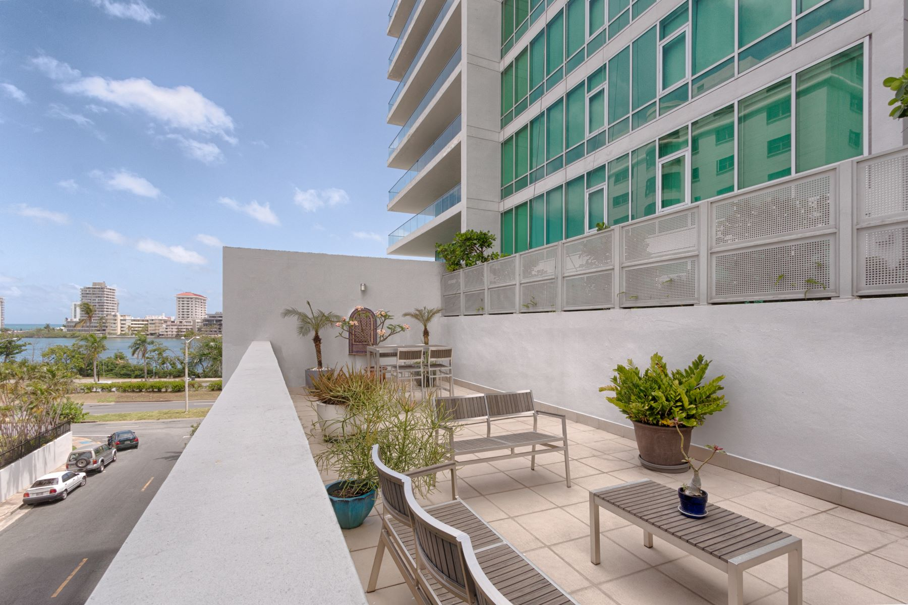 Additional photo for property listing at Mid Century Modern Duplex at Cosmopolitan 555 Calle Monserrate TH 102 San Juan, Puerto Rico 00907 Puerto Rico