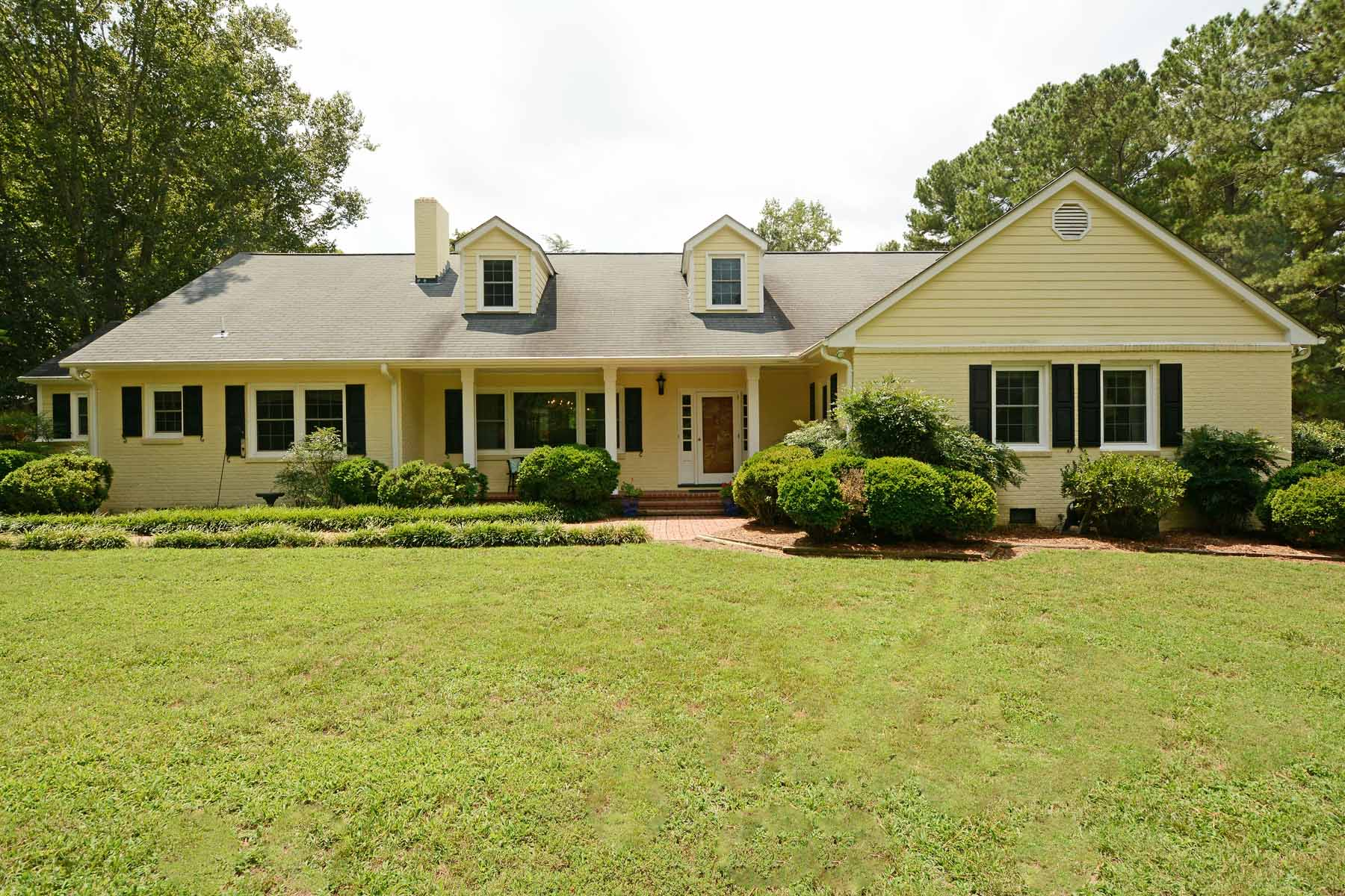 Single Family Homes for Active at Nine Acres, Four Blocks from Downtown 321 Graham St Warrenton, North Carolina 27589 United States