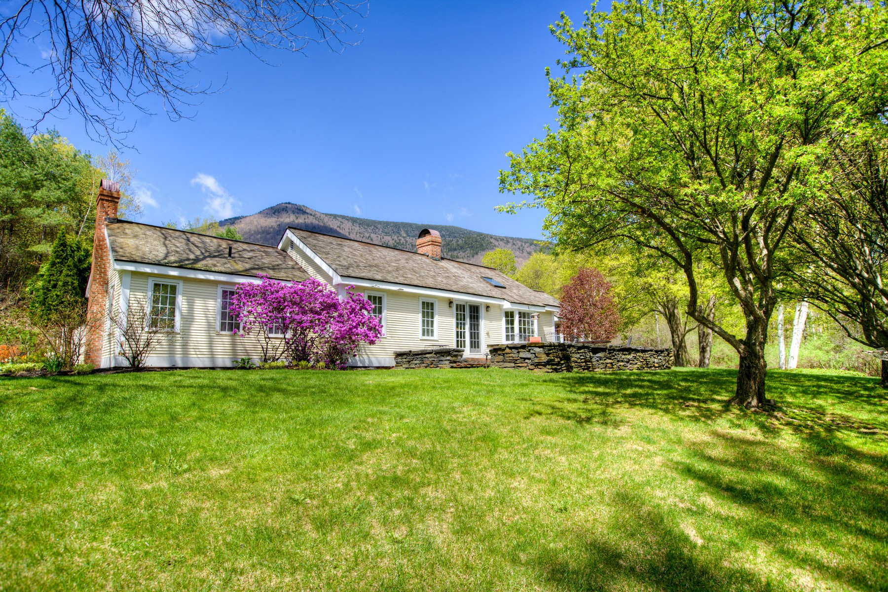 single family homes for Sale at 96 Equinox Pond Road, Manchester 96 Equinox Pond Rd Manchester, Vermont 05255 United States
