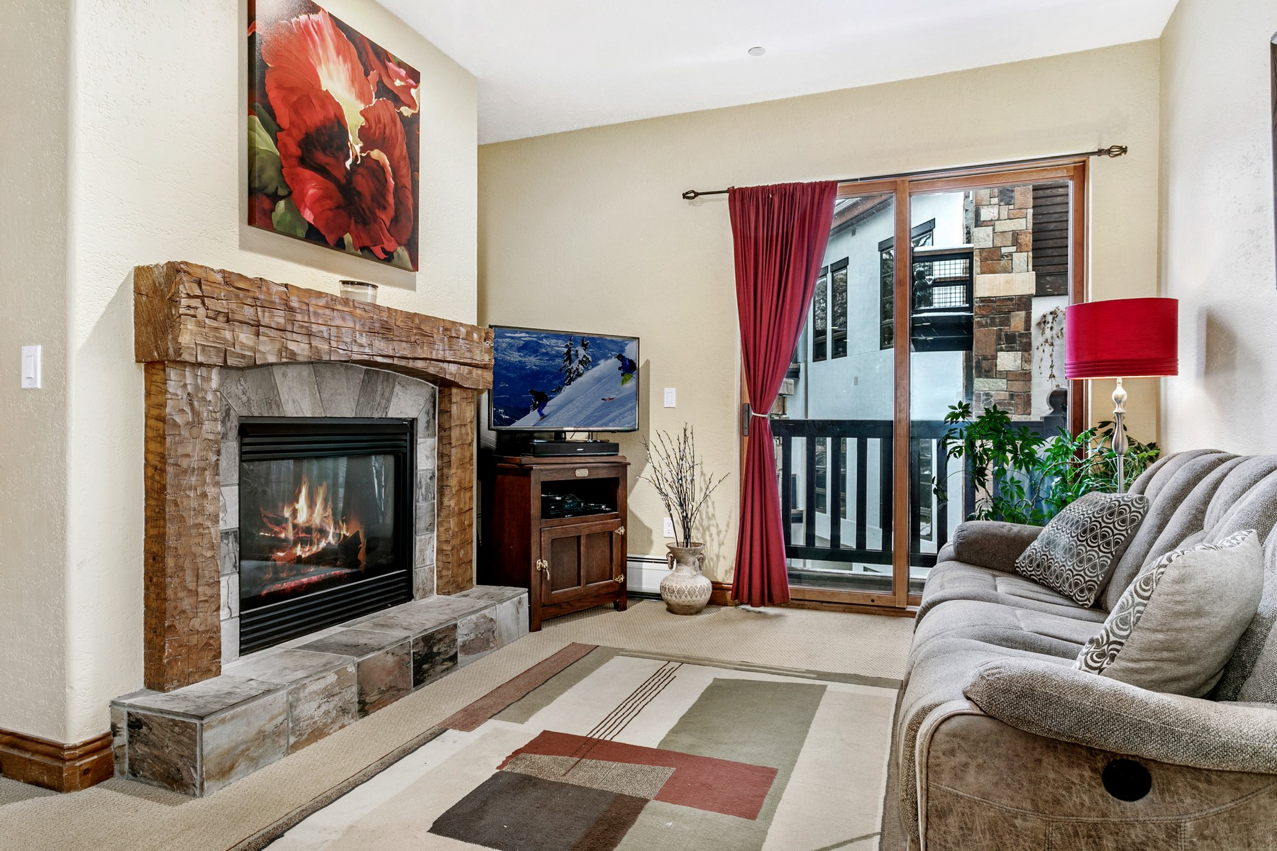 Condominium for Active at Lodge At Brookside #211 37305 Highway 6 #211 Avon, Colorado 81620 United States