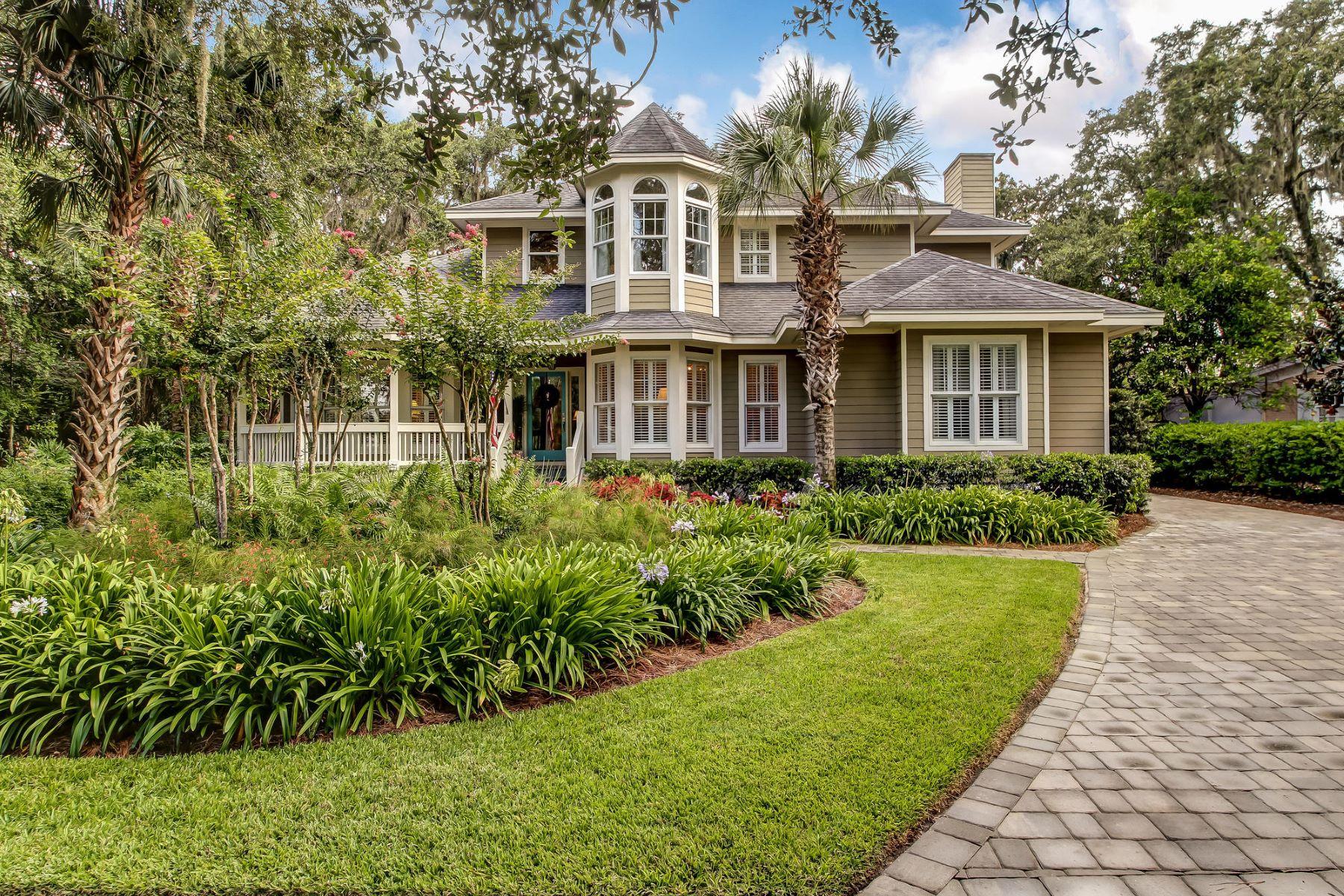 Einfamilienhaus für Verkauf beim Victorian-Inspired Beauty Steps from the Ocean 2606 Blackbeard Place Amelia Island, Florida, 32034 Vereinigte Staaten