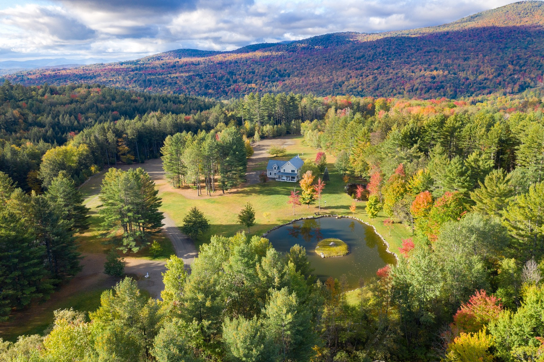 Single Family Homes for Sale at 989 Edson Hill Road, Stowe 989 Edson Hill Rd Stowe, Vermont 05672 United States