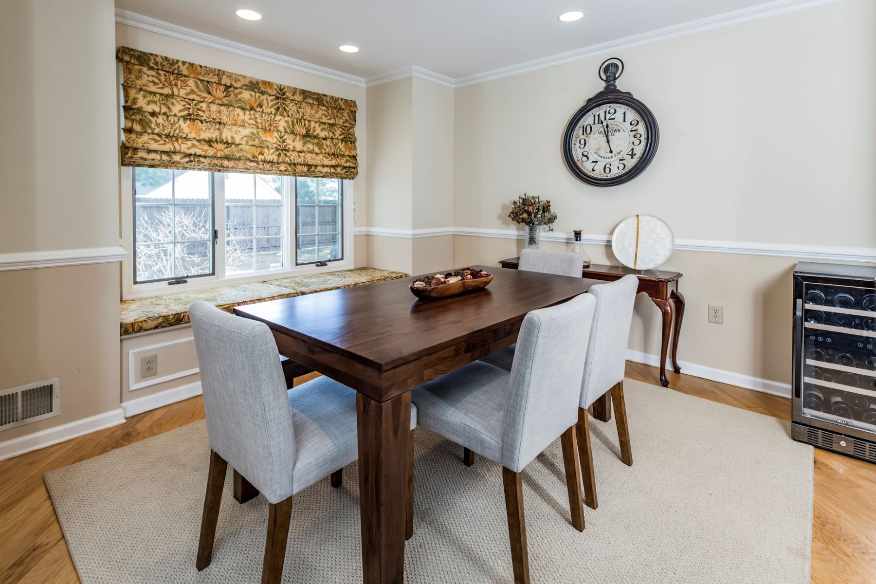 Additional photo for property listing at Designer Style In An Ideal Location 21 Railroad Place, Pennington, New Jersey 08534 United States