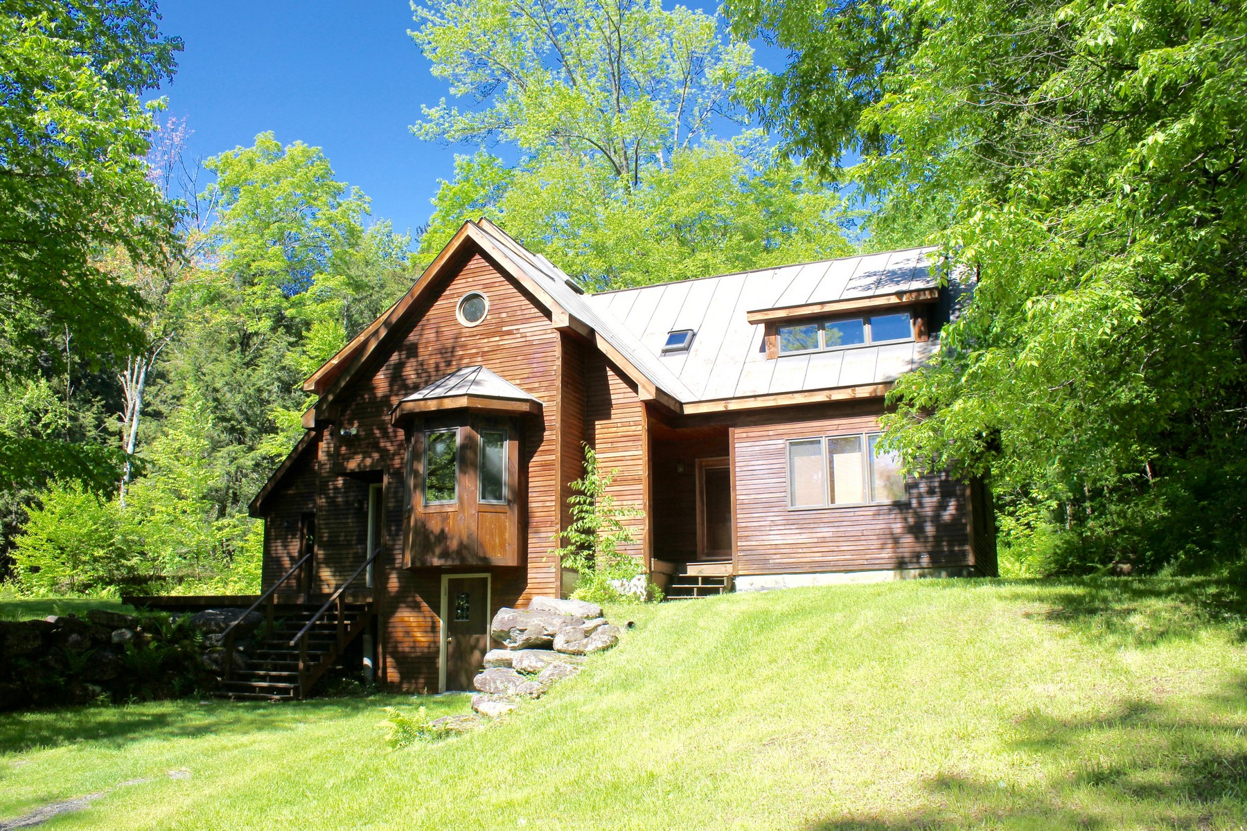 Single Family Home for Sale at A peaceful retreat in Southern Vermont! 170 Frog City Rd Plymouth, Vermont 05056 United States