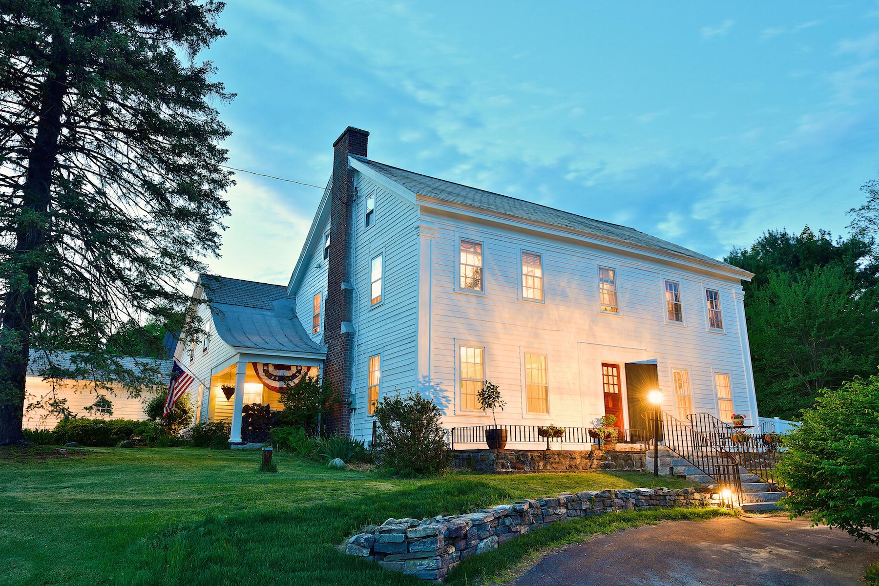 Single Family Homes för Försäljning vid Historic Stiles Tavern in Saratoga County 177 Parkhurst Rd, Wilton, New York 12831 Förenta staterna