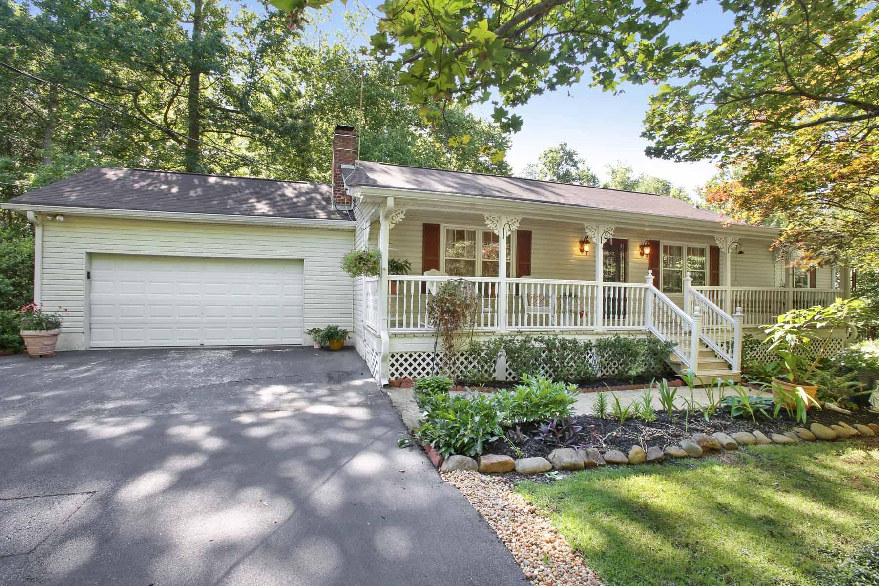 Nhà ở một gia đình vì Bán tại Charming Ranch Style Home With Several Updates Near Serenbe Community 8540 Watkins Road Chattahoochee Hills, Georgia, 30268 Hoa Kỳ