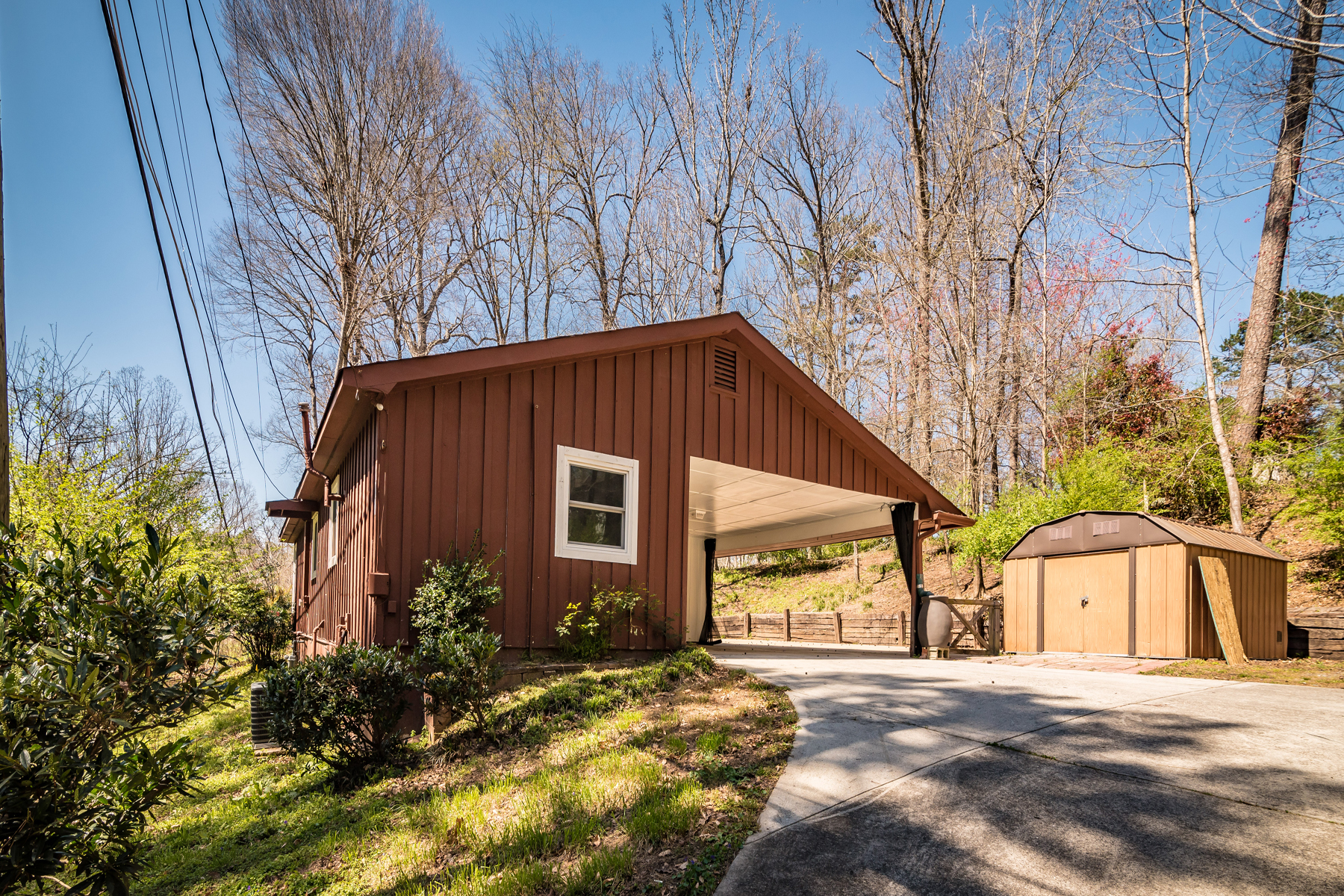 Single Family Home for Sale at Mountain Park Cozy Cabin 170 Mountain Park Rd Roswell, Georgia 30075 United States